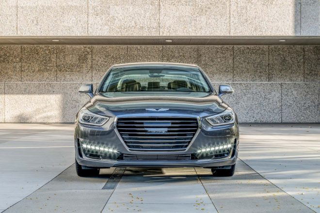 2017 Genesis G90 front end 02