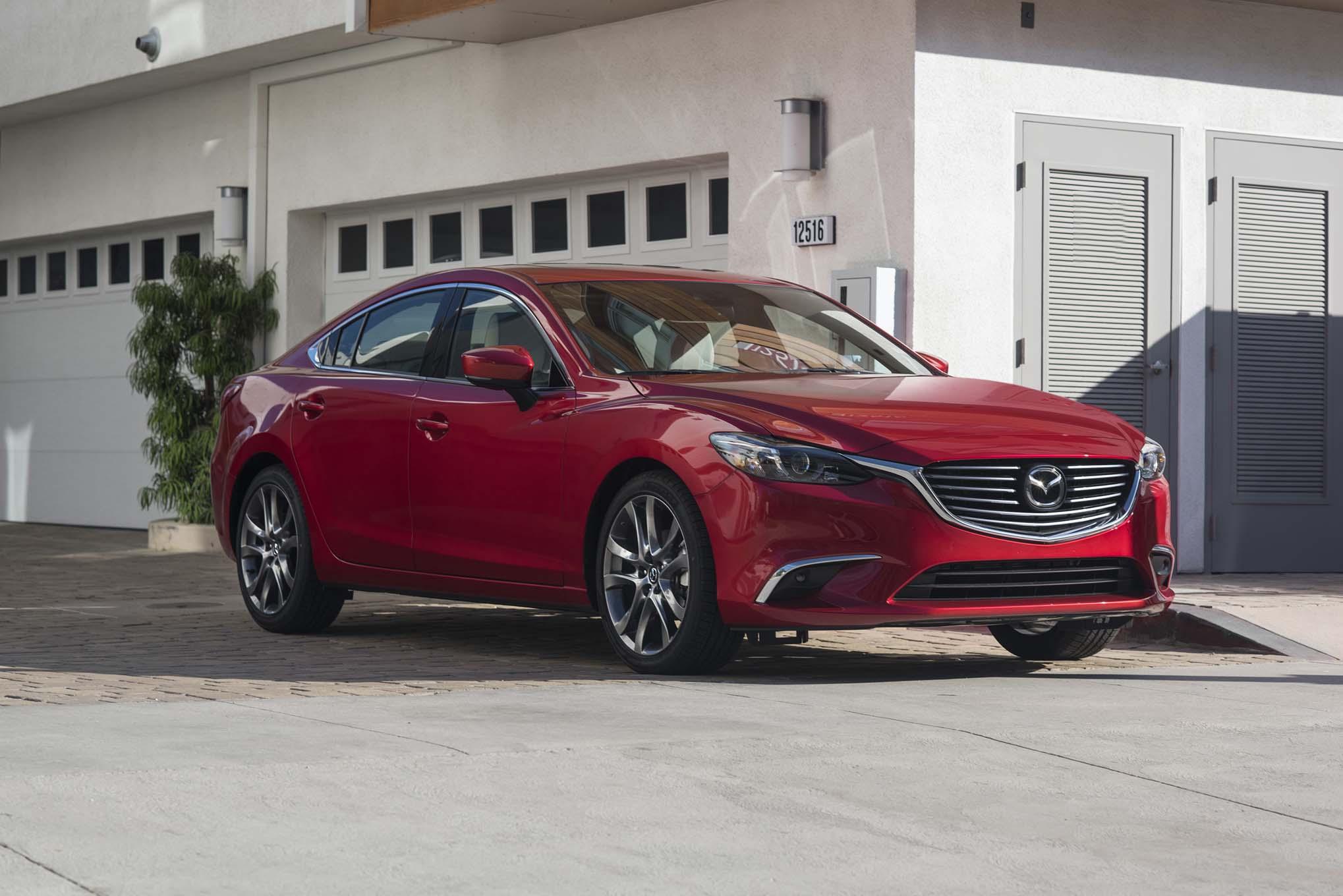 2017 Mazda6 Front Three Quarter 04