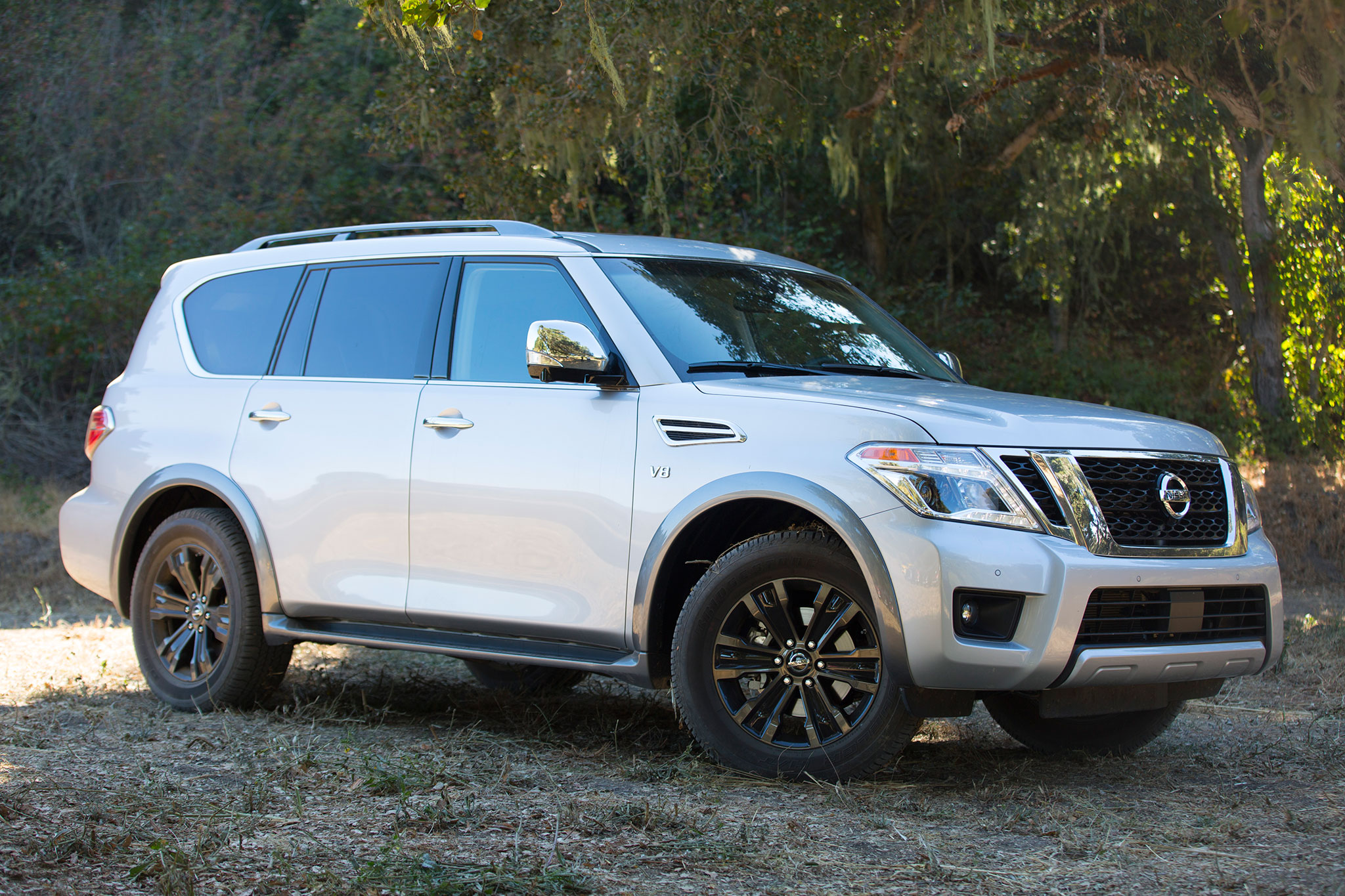 2017-Nissan-Armada-front-three-quarter-0