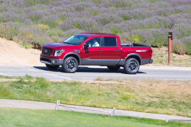 2017 Nissan Titan front three quarter in motion 02