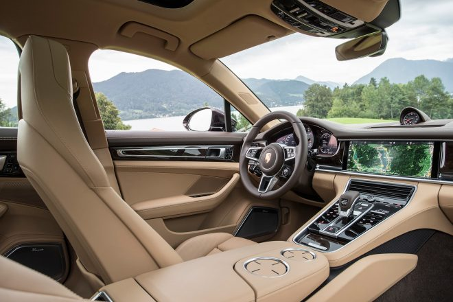 2017 Porsche Panamera 4S Interior 1