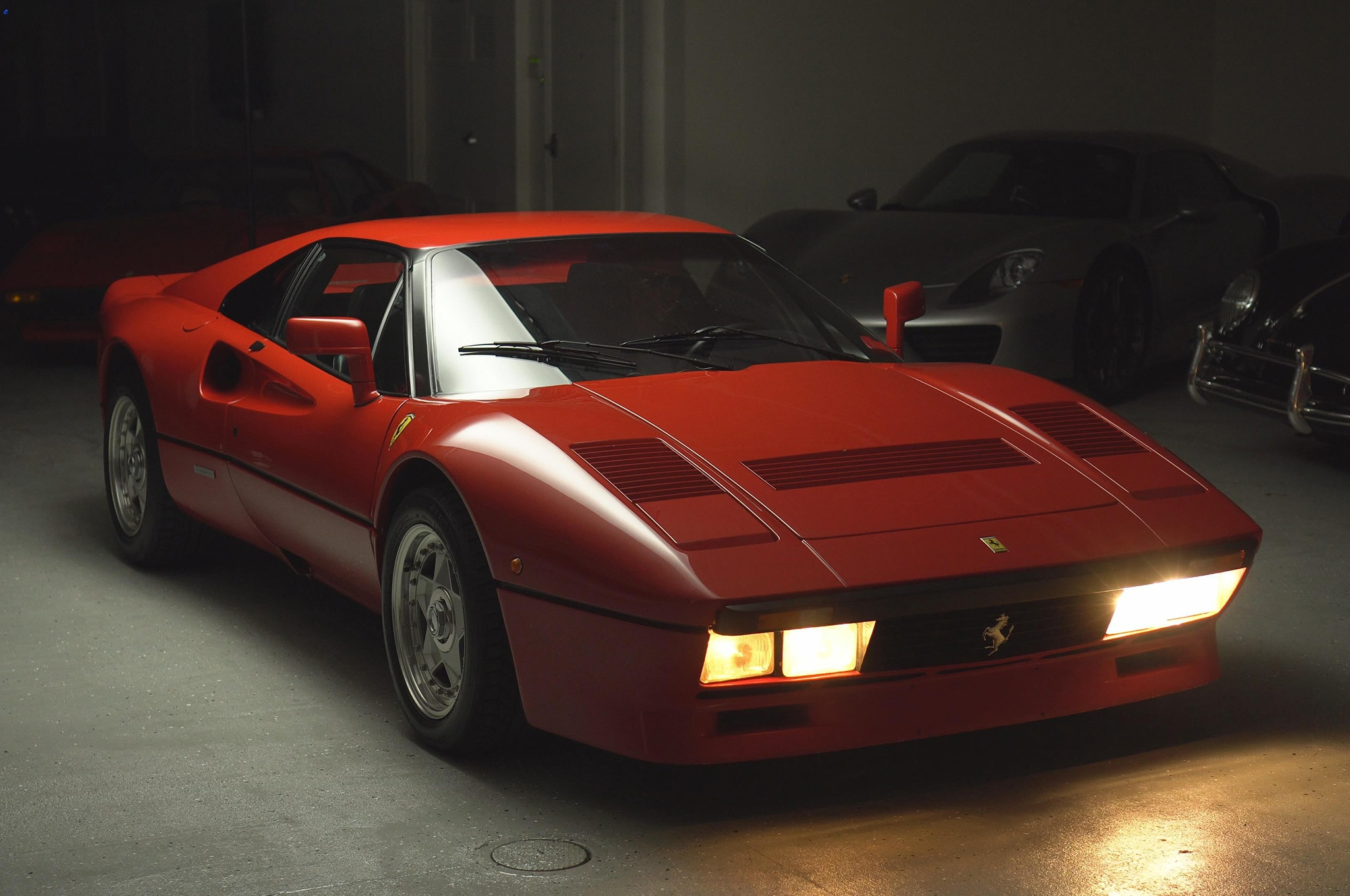 the sounds of this ferrari 288 gto are stronger than any cup of coffee automobile magazine. Black Bedroom Furniture Sets. Home Design Ideas