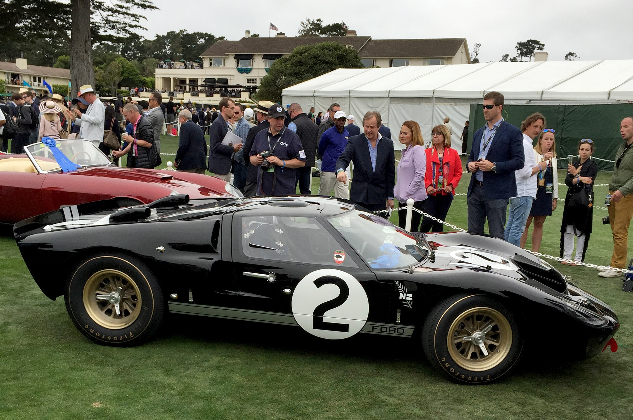 the first ford gt40 to win le mans gets a proper makeover. Black Bedroom Furniture Sets. Home Design Ideas