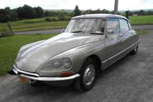 1973 Citroen DS23 Pallas Bring a Trailer front three quarters 2
