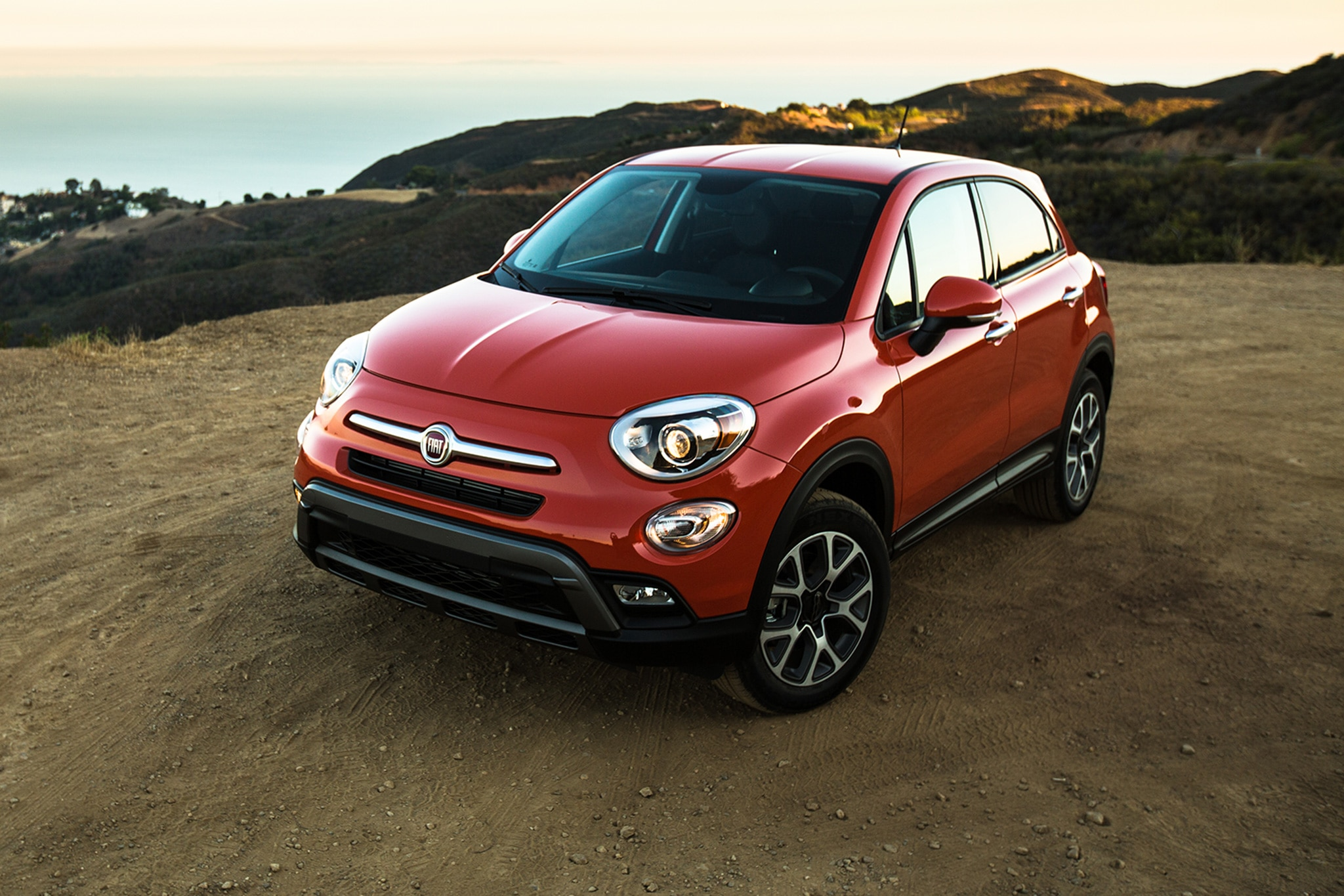 2016 Fiat 500x Trekking Awd Four Seasons Introduction