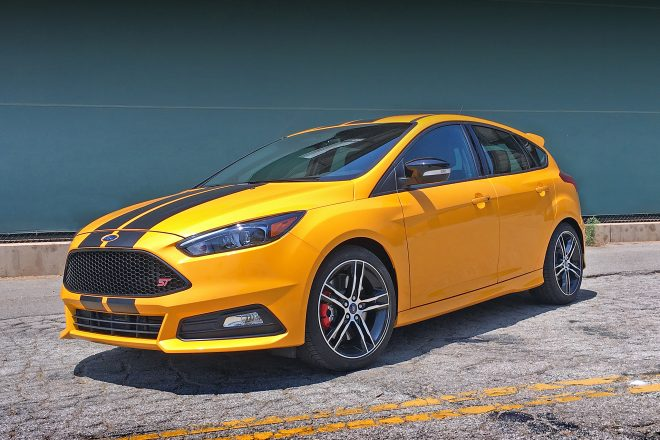 2016 ford focus st one week review and roadtest automobile magazine. Black Bedroom Furniture Sets. Home Design Ideas