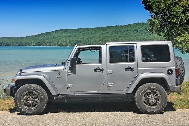 2016 Jeep Wrangler Unlimited side profile