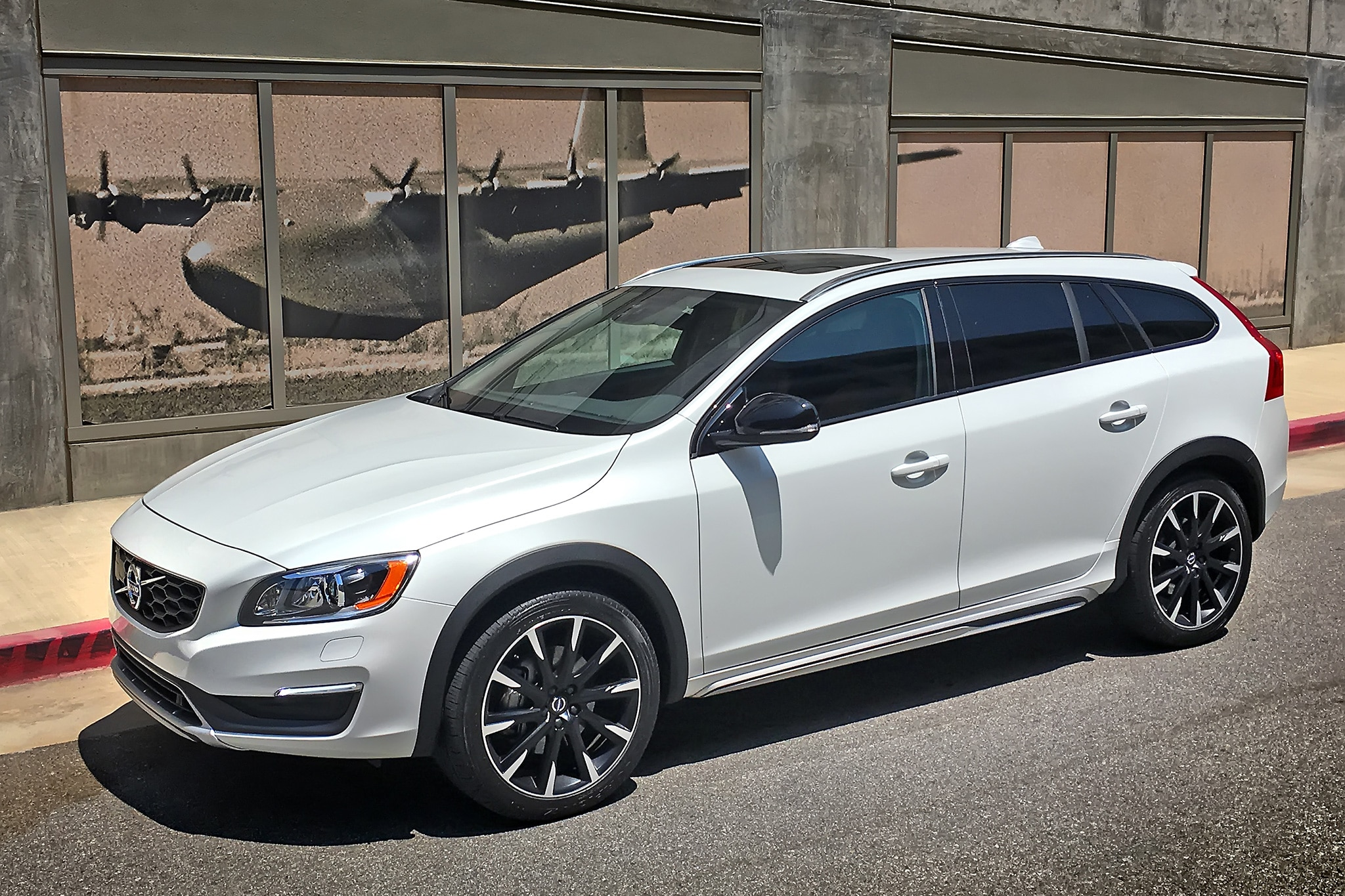 one week with 2016 volvo v60 t5 awd cross country. Black Bedroom Furniture Sets. Home Design Ideas