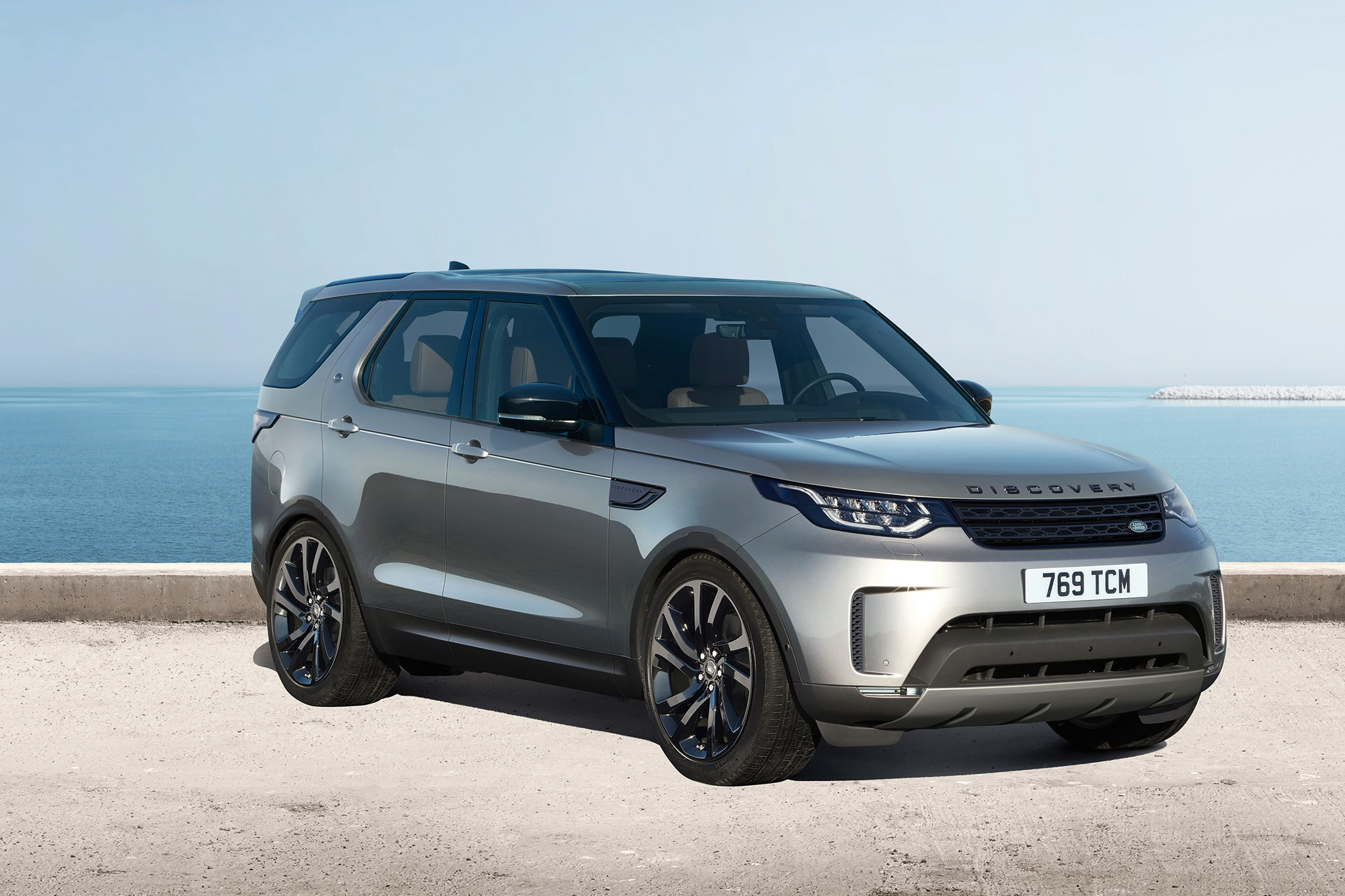 First Look 2017 Land Rover Discovery Automobile Magazine