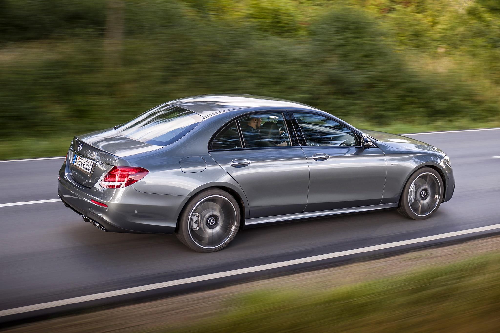 http://st.automobilemag.com/uploads/sites/11/2016/09/2017-Mercedes-AMG-E43-sedan-rear-three-quarter-in-motion-03.jpg