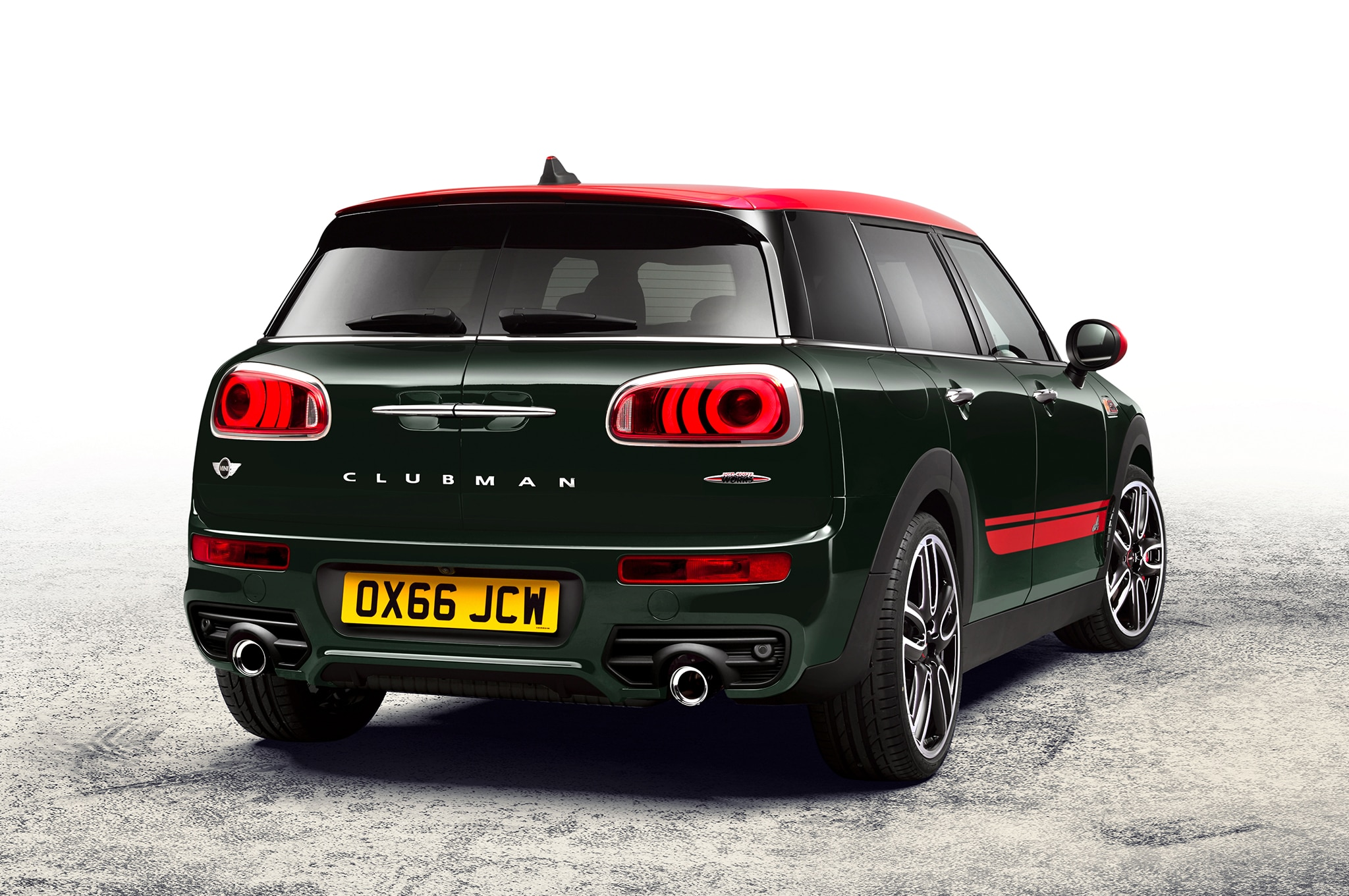 2017 mini clubman john cooper works makes 228 hp automobile magazine. Black Bedroom Furniture Sets. Home Design Ideas