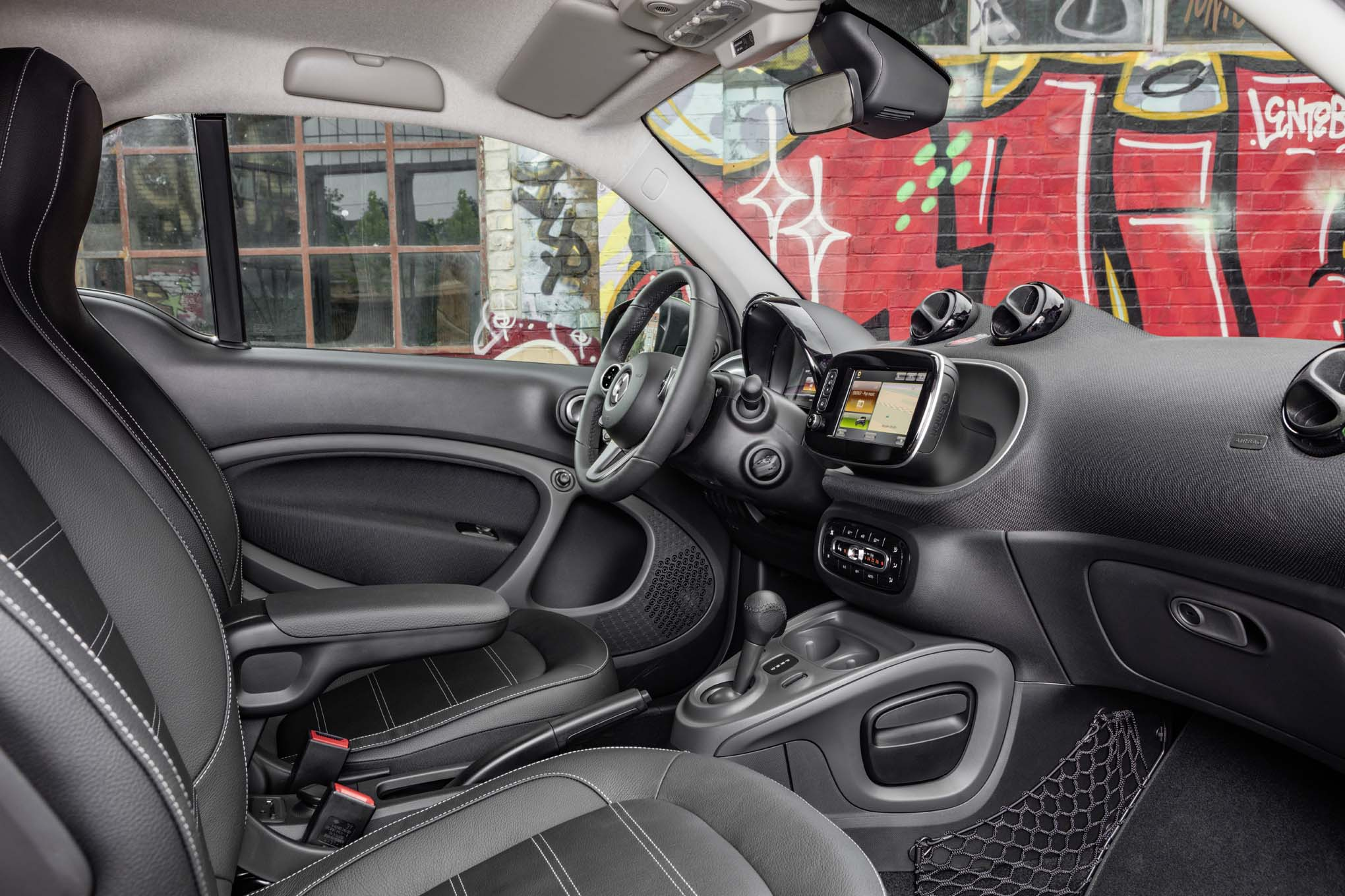 2017 smart fortwo electric drive unveiled before paris show automobile magazine. Black Bedroom Furniture Sets. Home Design Ideas