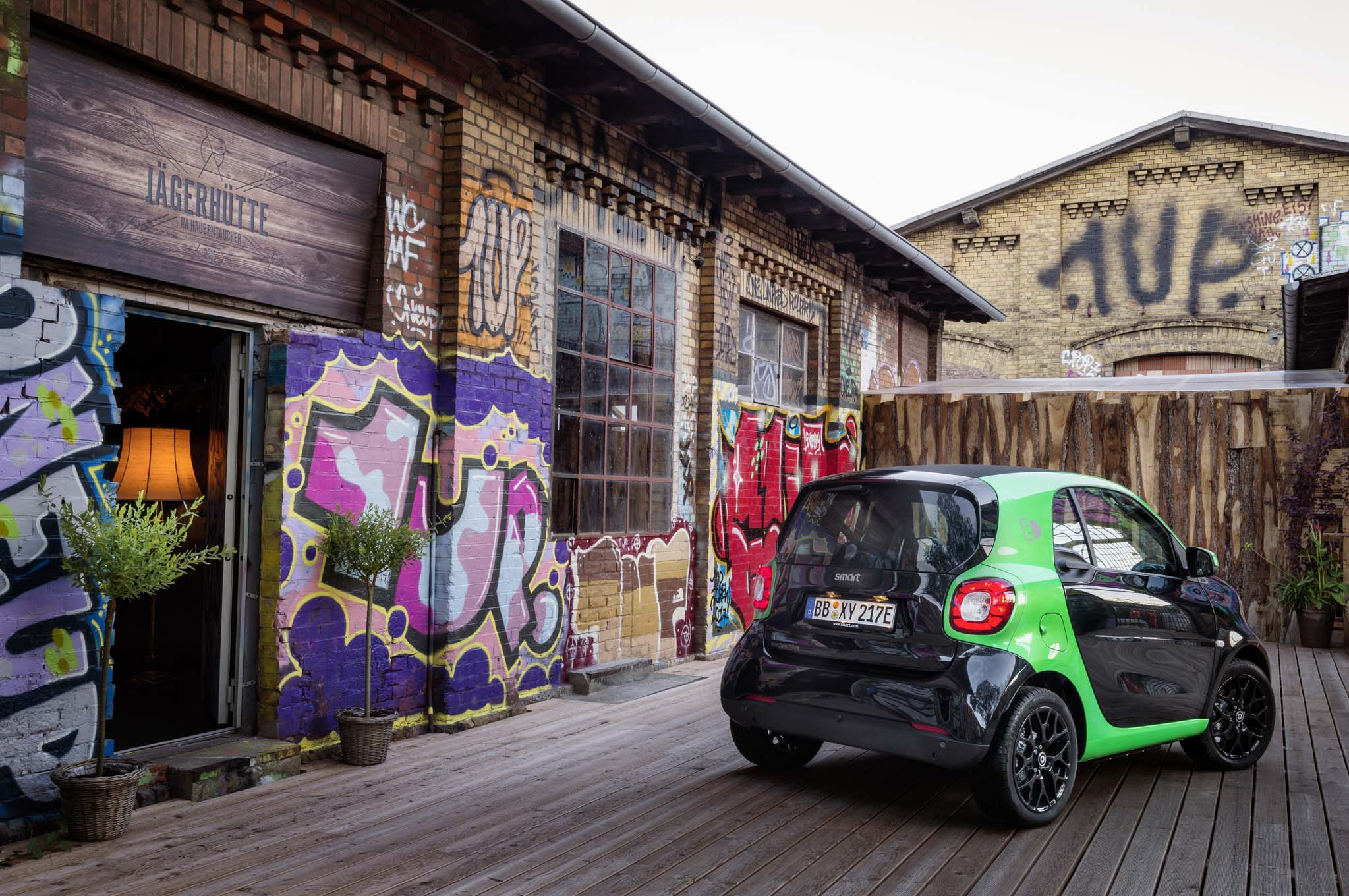 2017 Smart Fortwo Electric rear three quarter
