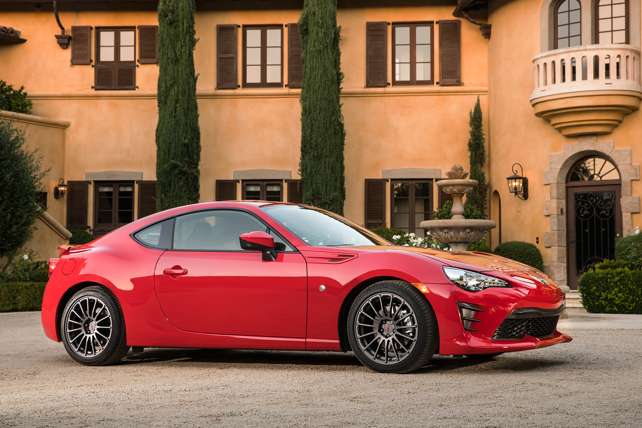 2017 Toyota 86 front three quarter 07