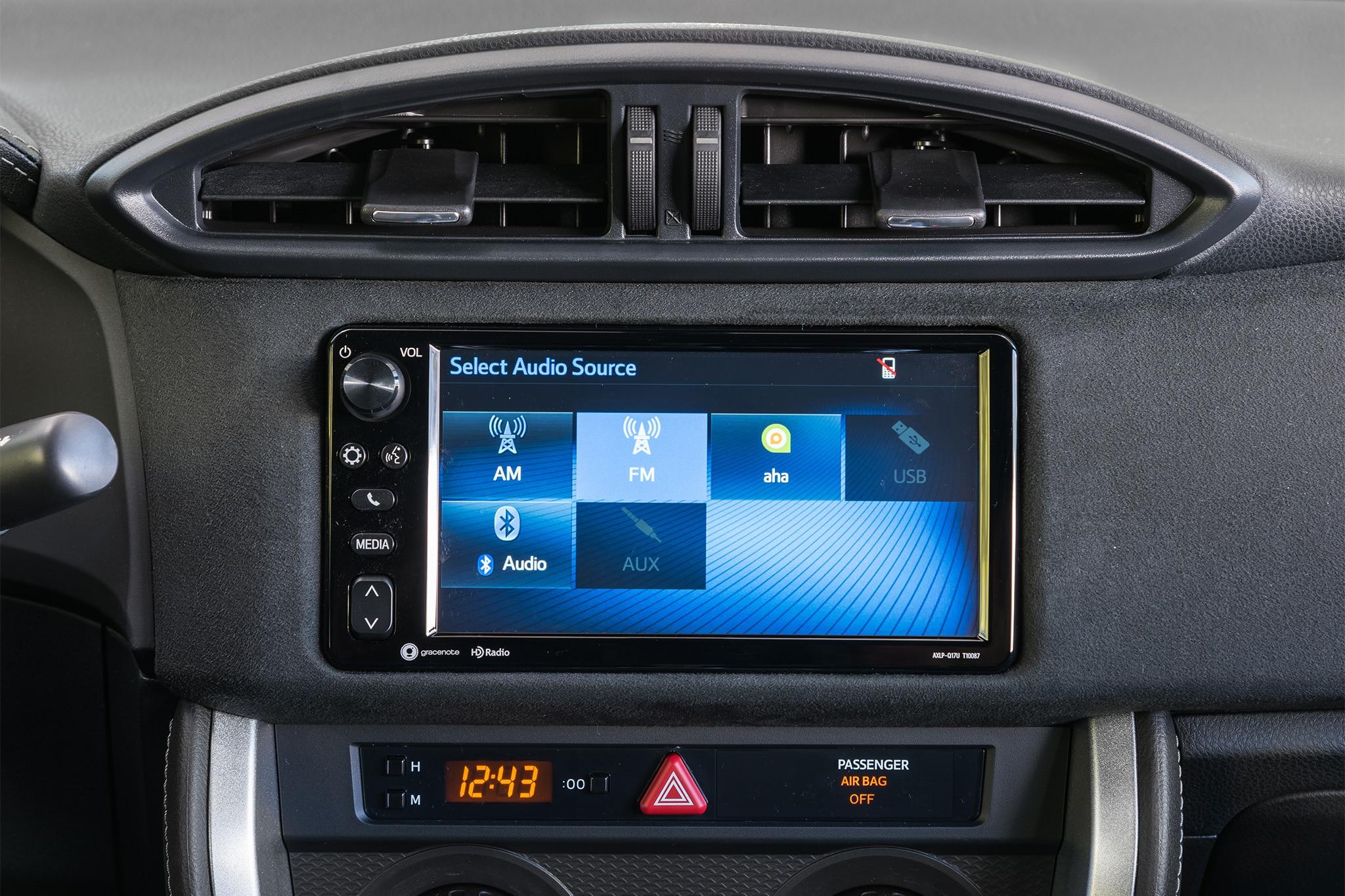 2017 Toyota 86 infotainment 01