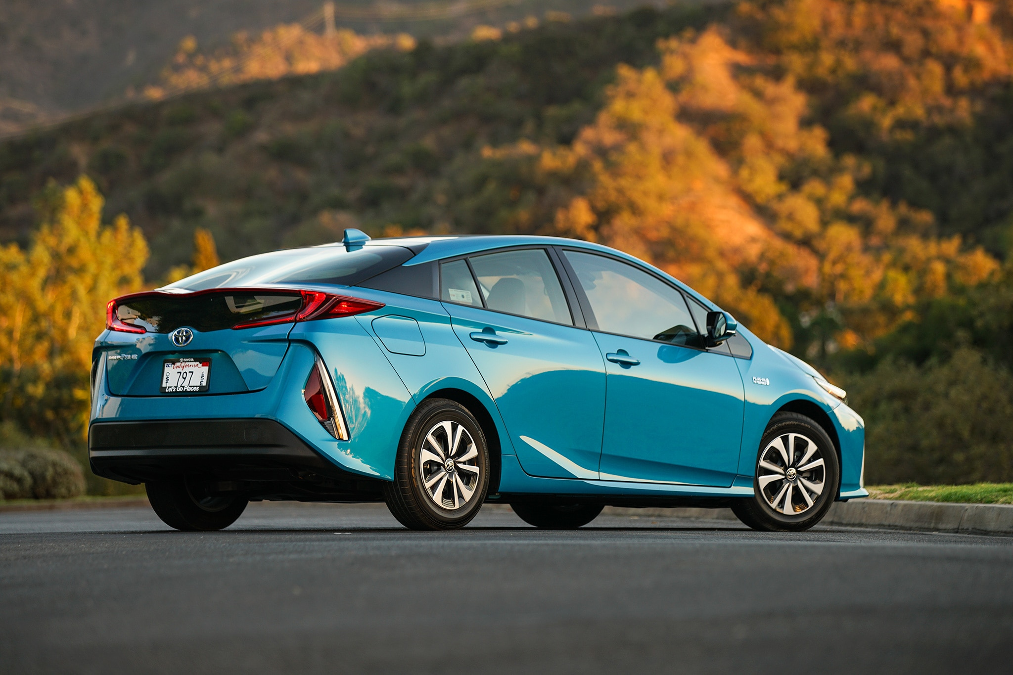 2017 toyota prius prime second drive roadtest review automobile magazine. Black Bedroom Furniture Sets. Home Design Ideas
