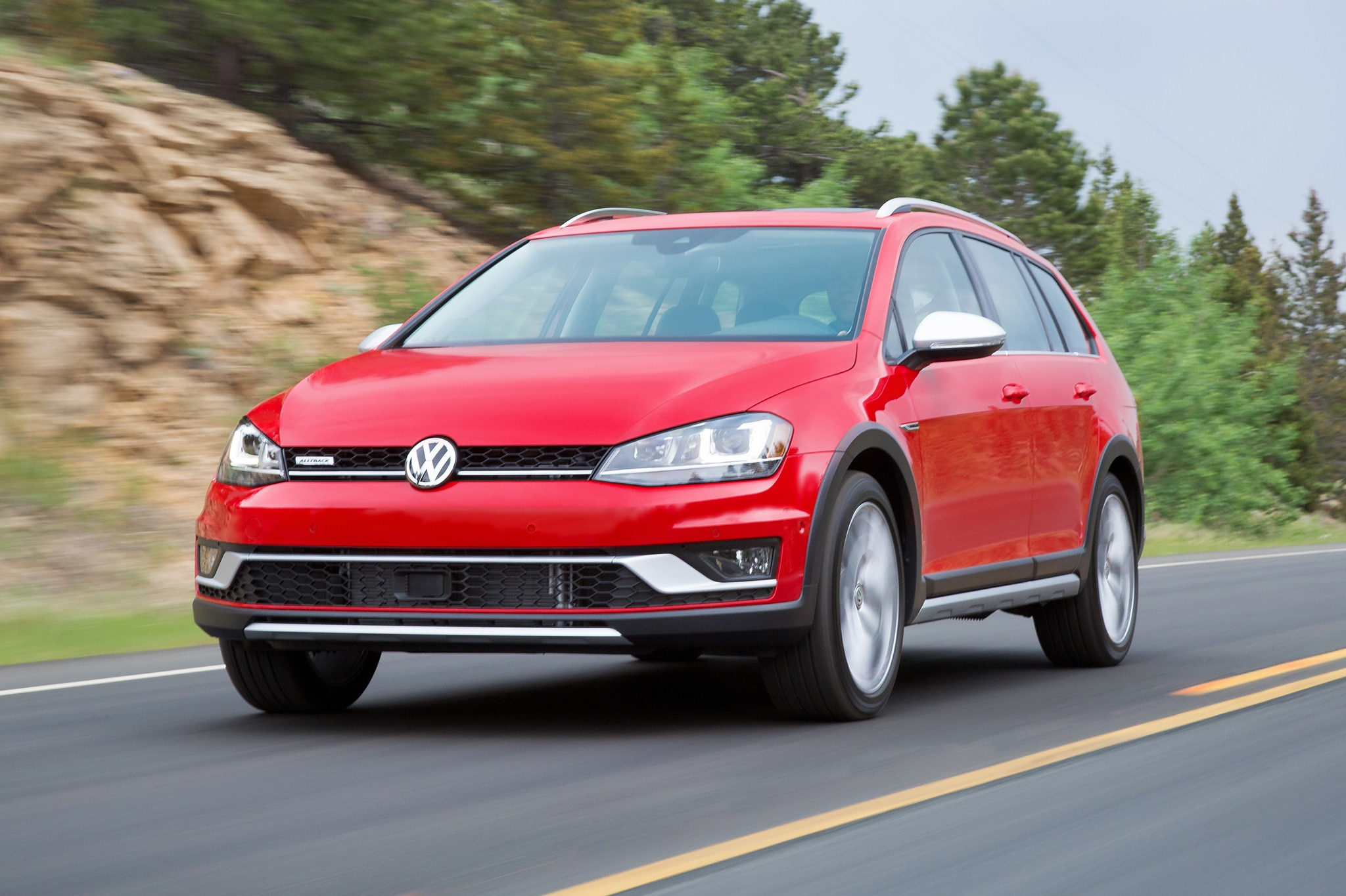 2017 volkswagen golf alltrack first drive review automobile magazine. Black Bedroom Furniture Sets. Home Design Ideas