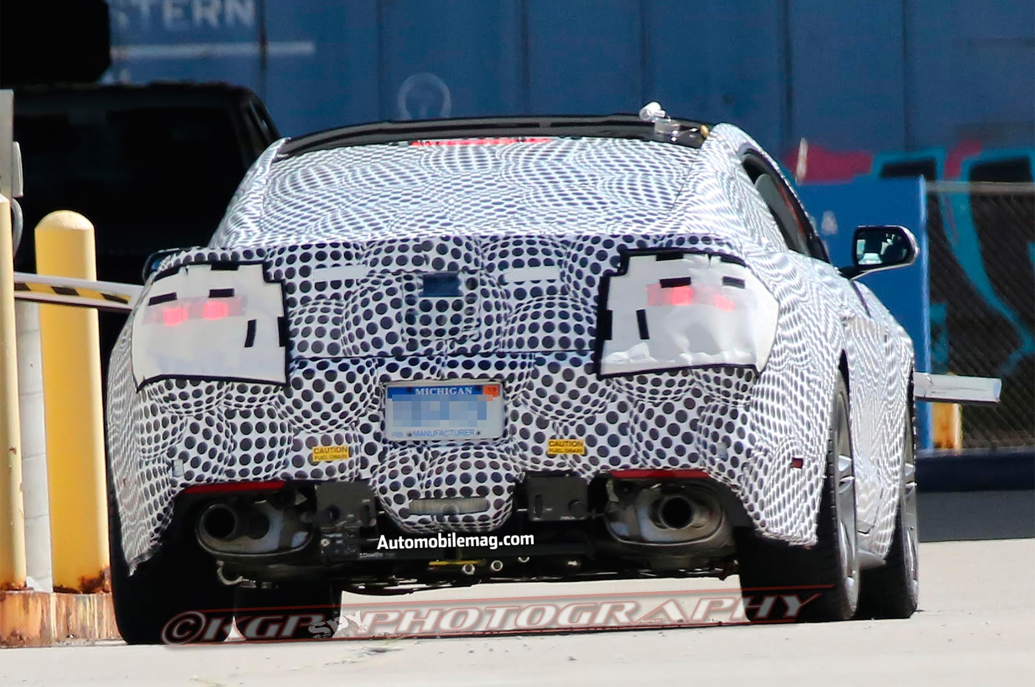 2018 Ford Mustang facelift spied rear end 02