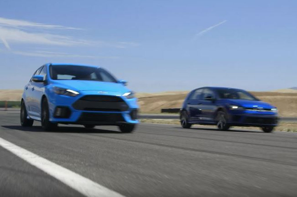 Ford Focus RS and Volkswagen Golf R Head 2 Head