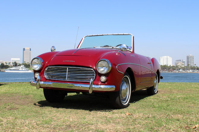 1961 Datsun Fairlady 1200 Front Three Quarter 01 660x440