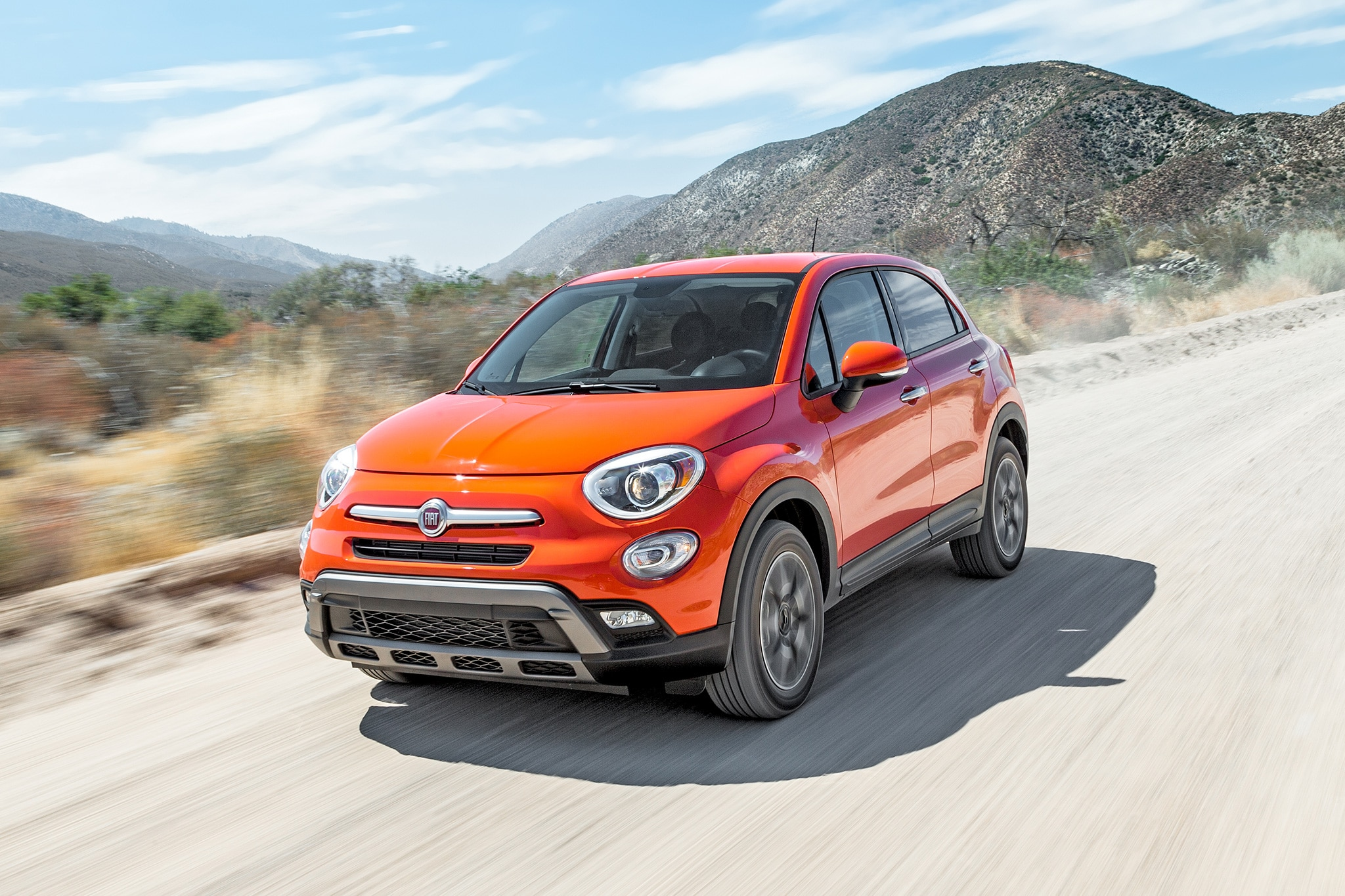 2016 Fiat 500X Trekking AWD Front Three Quarter In Motion 04