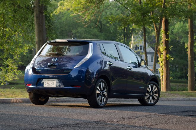 2016 Nissan Leaf SL rear three quarter 02