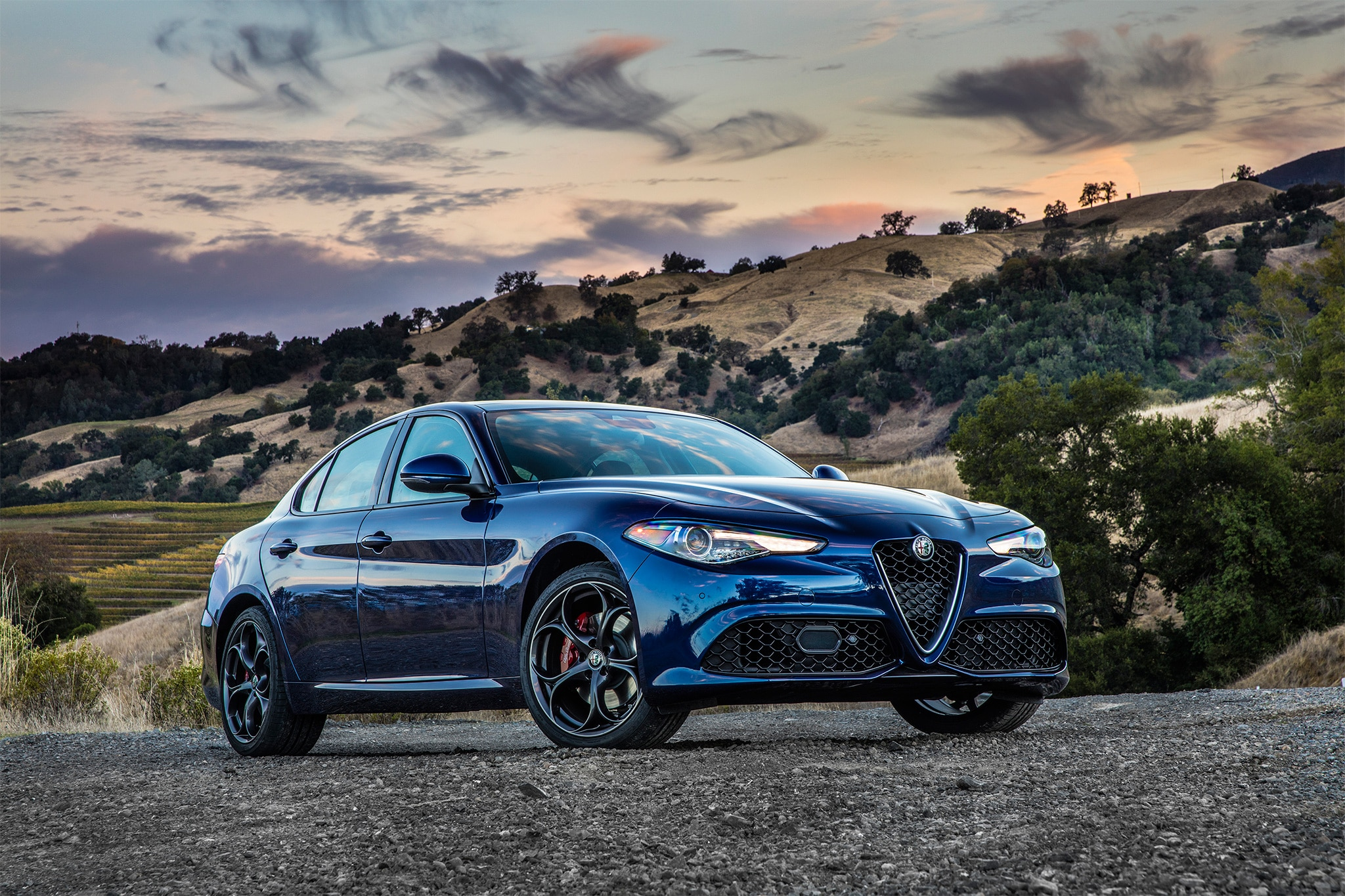 2017 alfa romeo giulia quadrifoglio u s spec first drive review automobile magazine. Black Bedroom Furniture Sets. Home Design Ideas