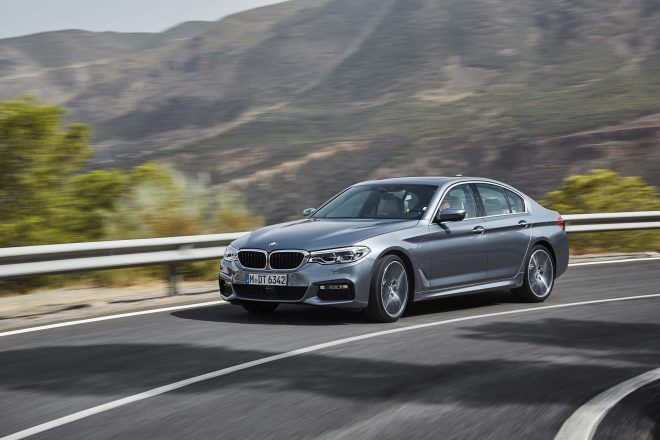2017 BMW 540i Front Three Quarter In Motion 660x440