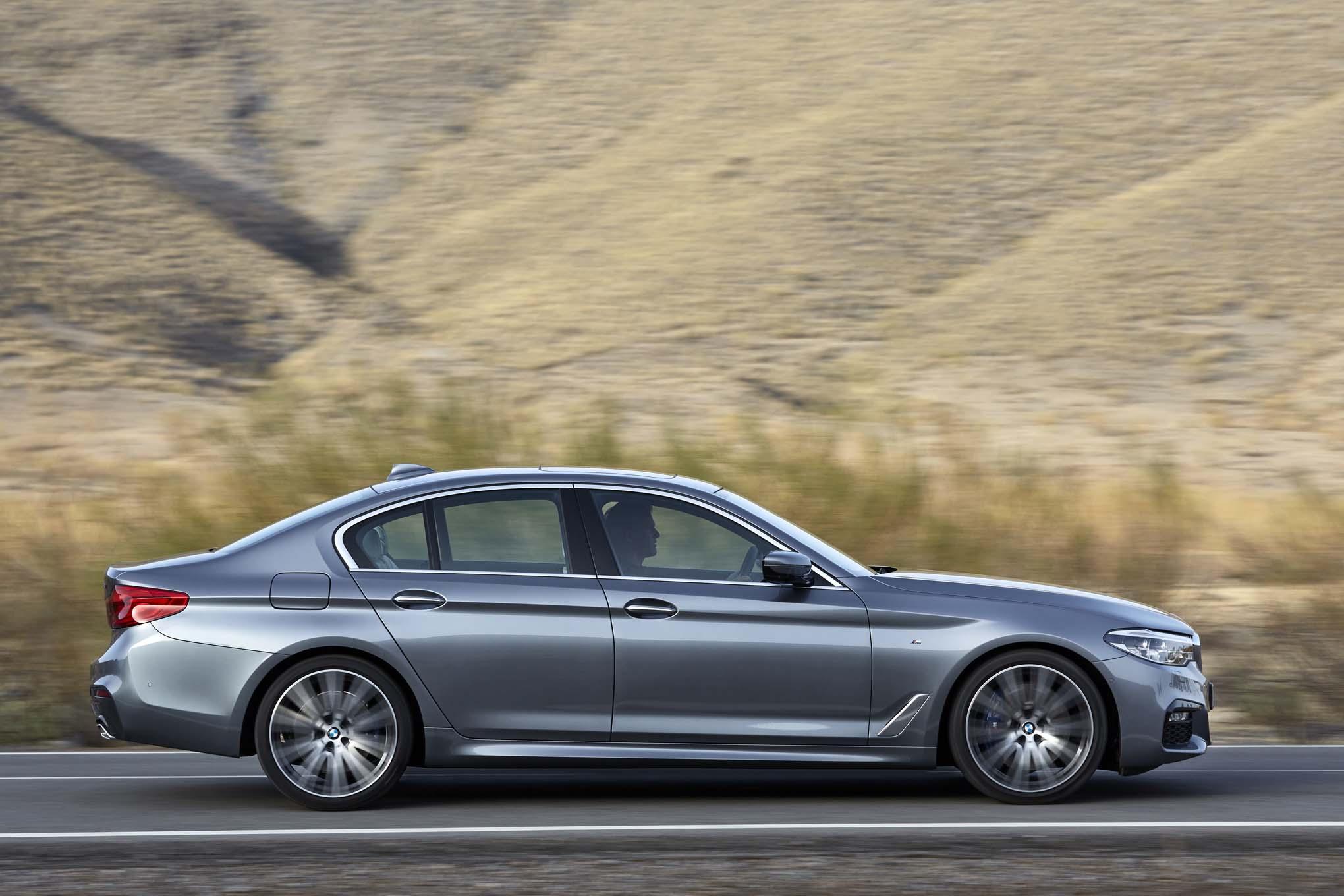 2017 BMW 540i Side In Motion