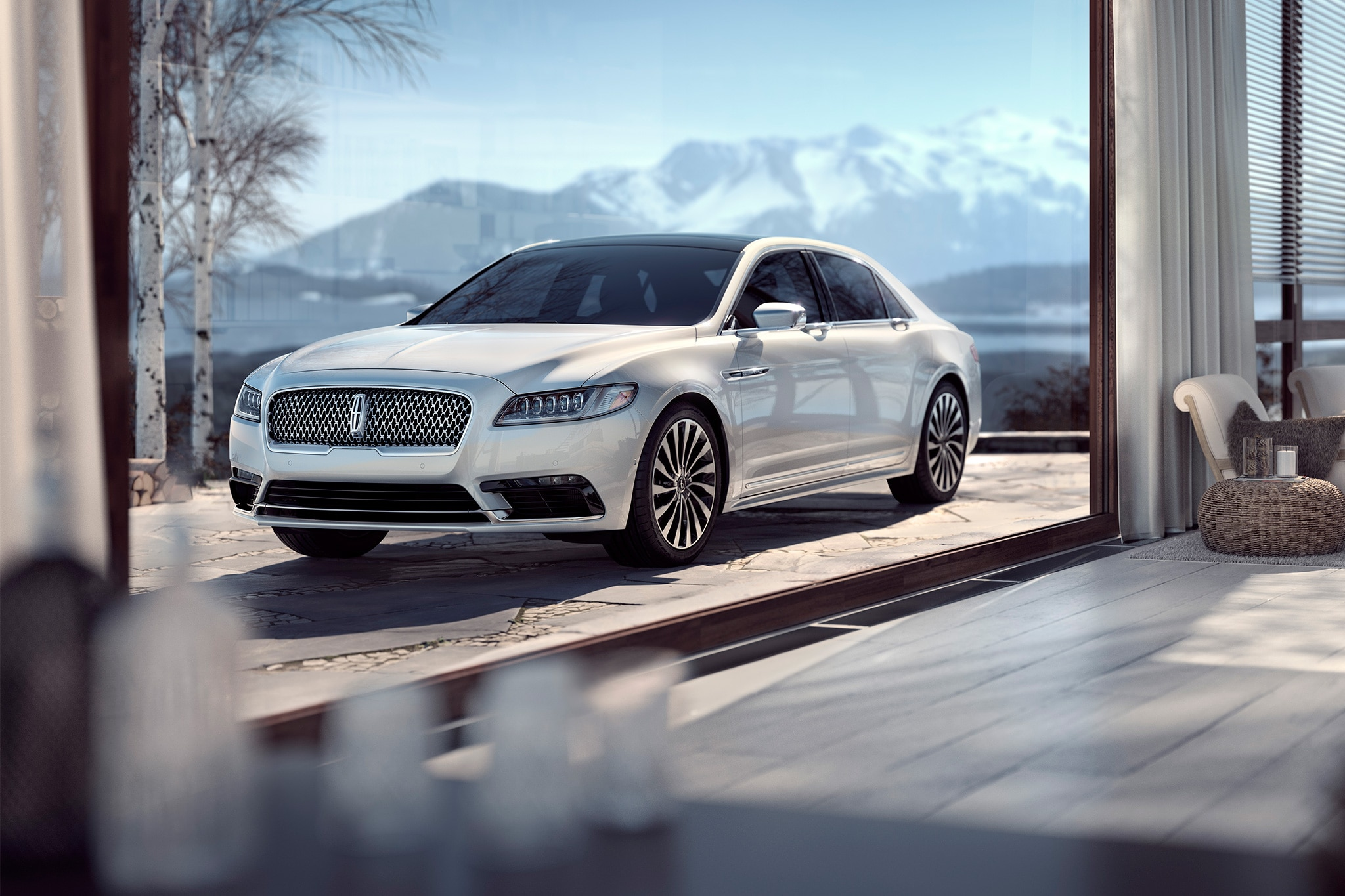 2017 Lincoln Continental Front Three Quarter 03