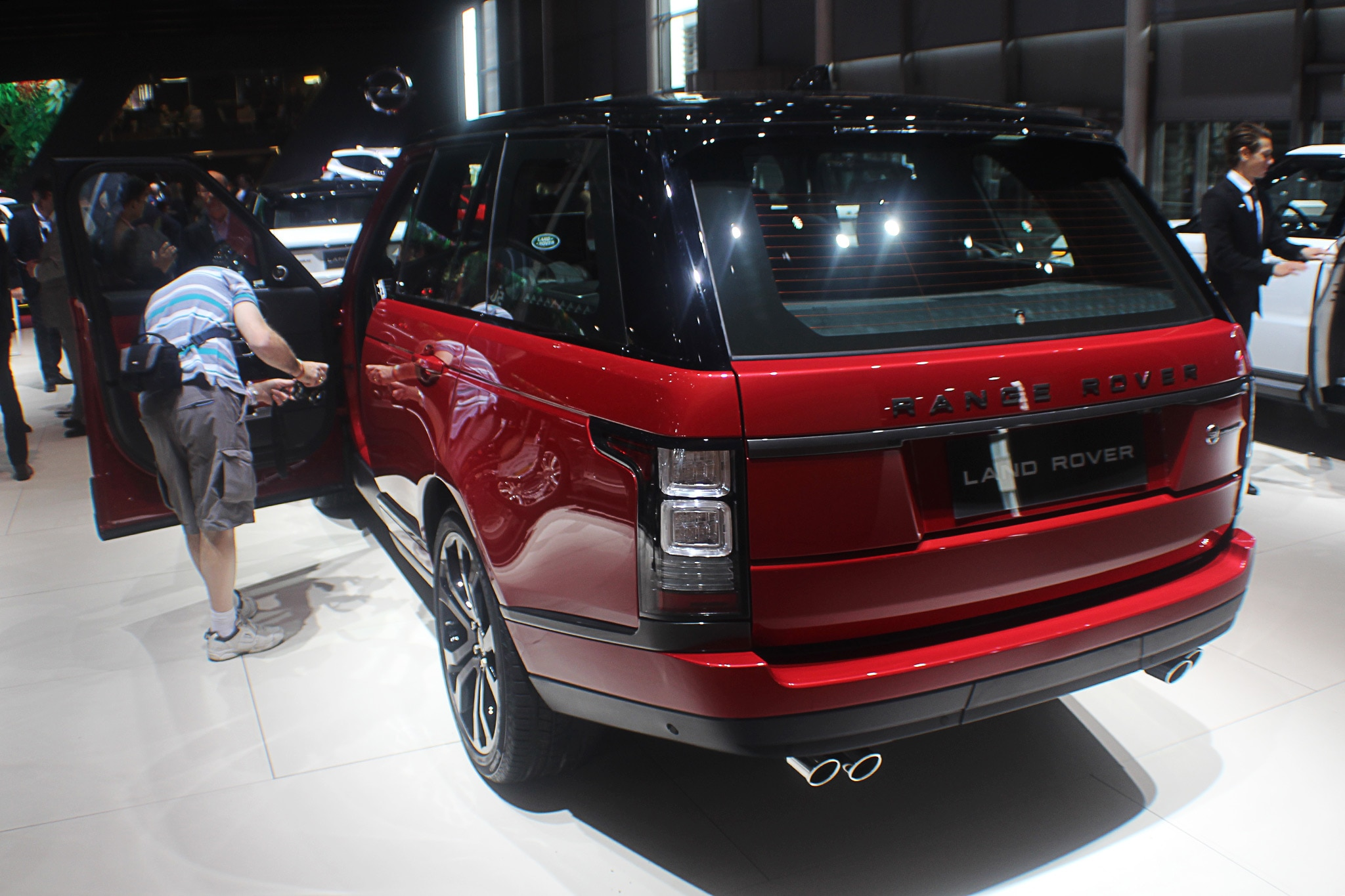 2017 range rover svautobiography dynamic joins rover stable automobile magazine. Black Bedroom Furniture Sets. Home Design Ideas