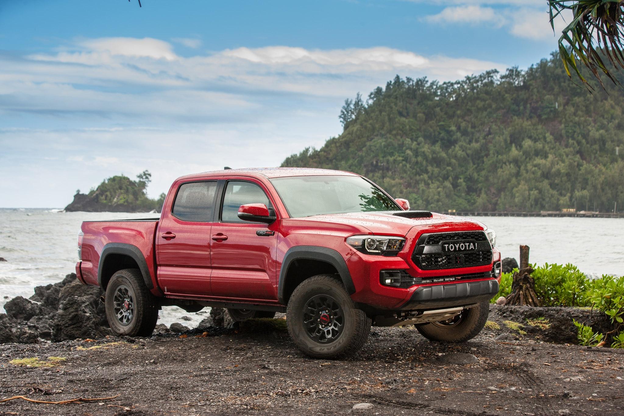 2017 Toyota Tacoma TRD Pro Passenger Side