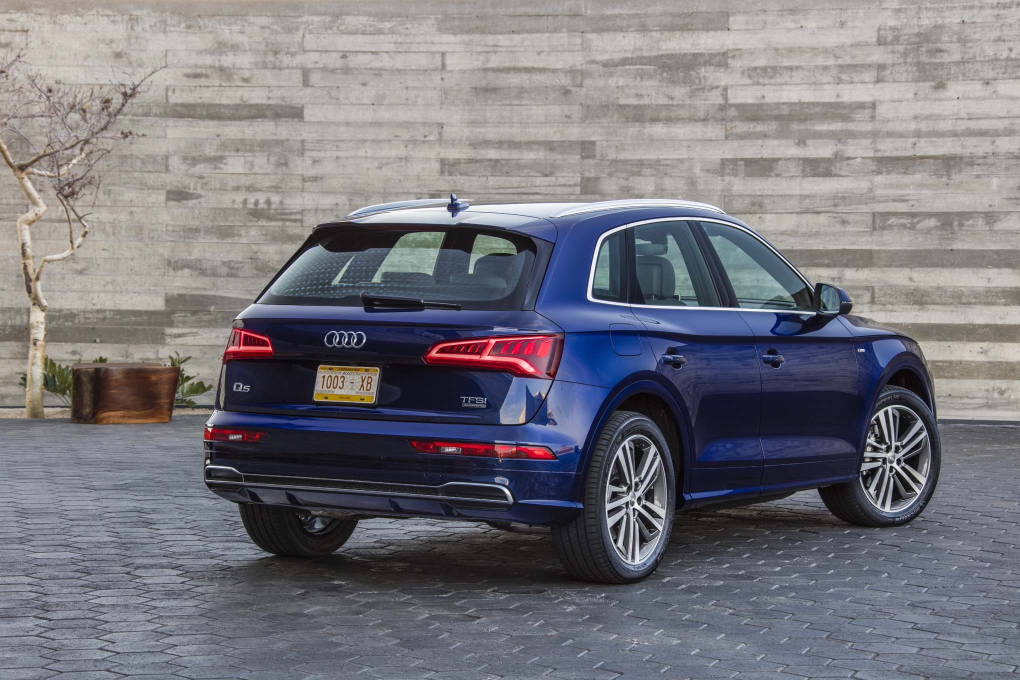 2018 Audi Sq5 Release Date And Review >> 2018 Audi Q5 First Drive Review Automobile Magazine