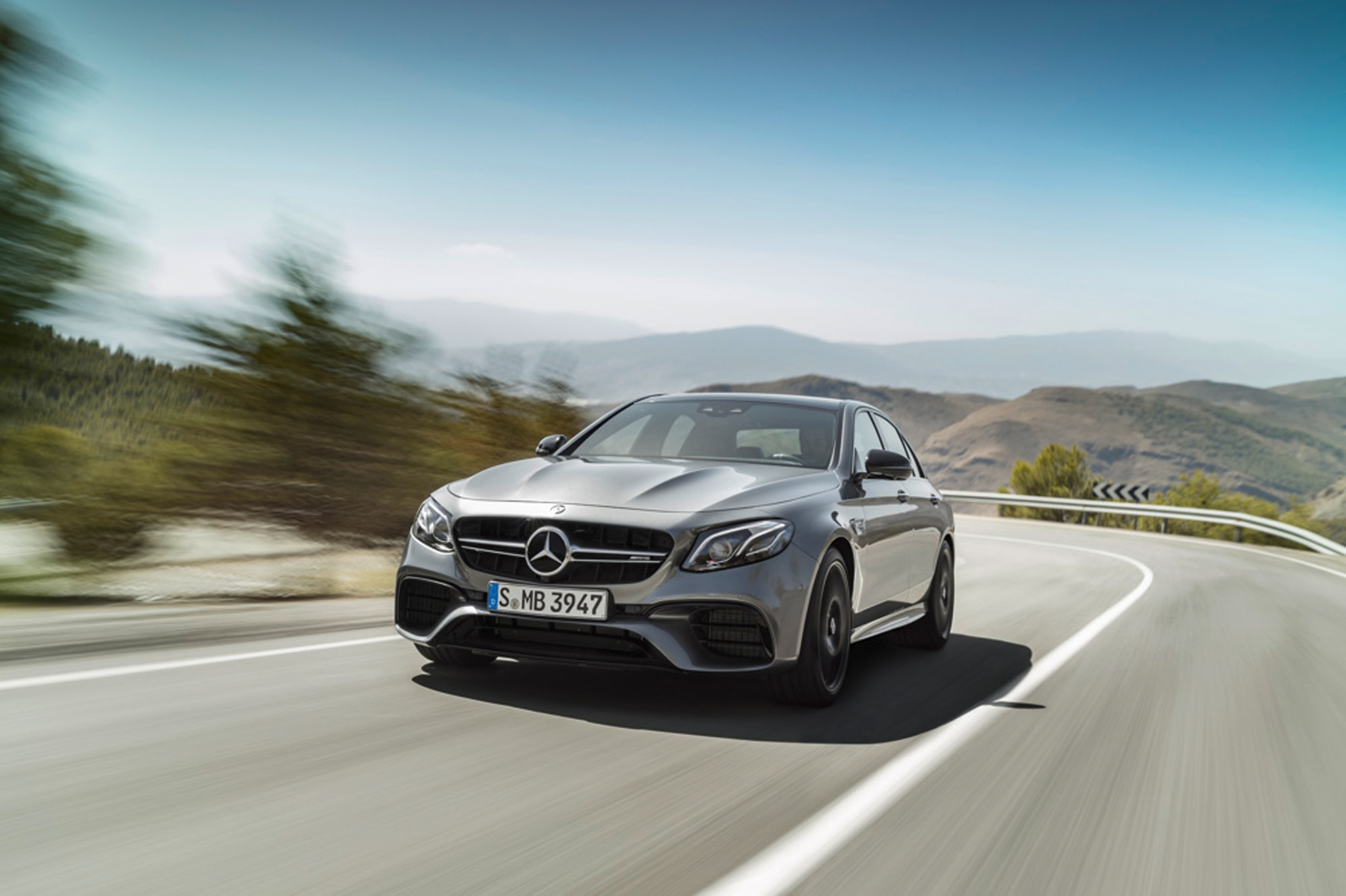 2018 Mercedes AMG_E_63s Road Front Curve