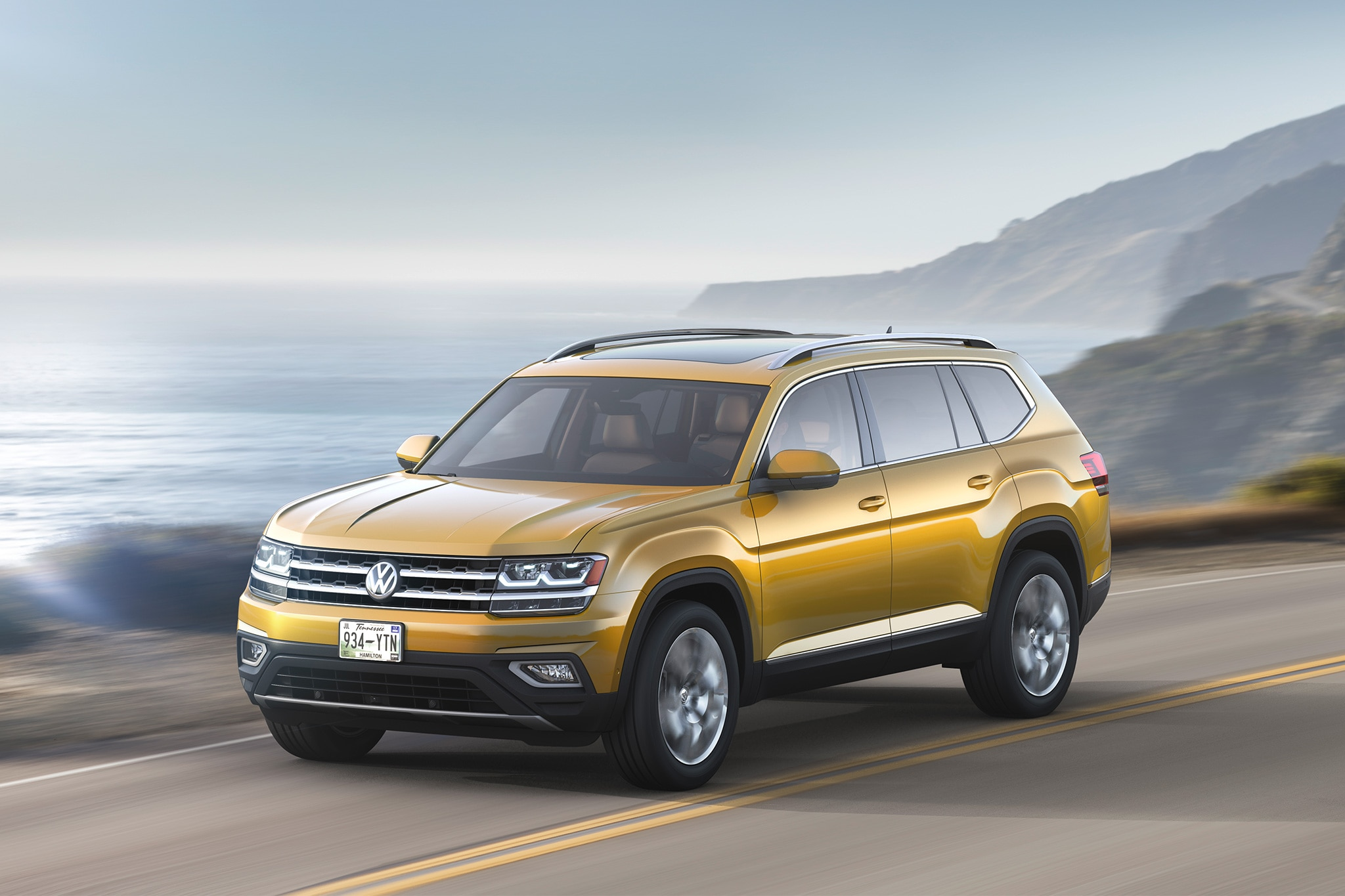 2018 Volkswagen Atlas Front Three Quarter In Motion 02