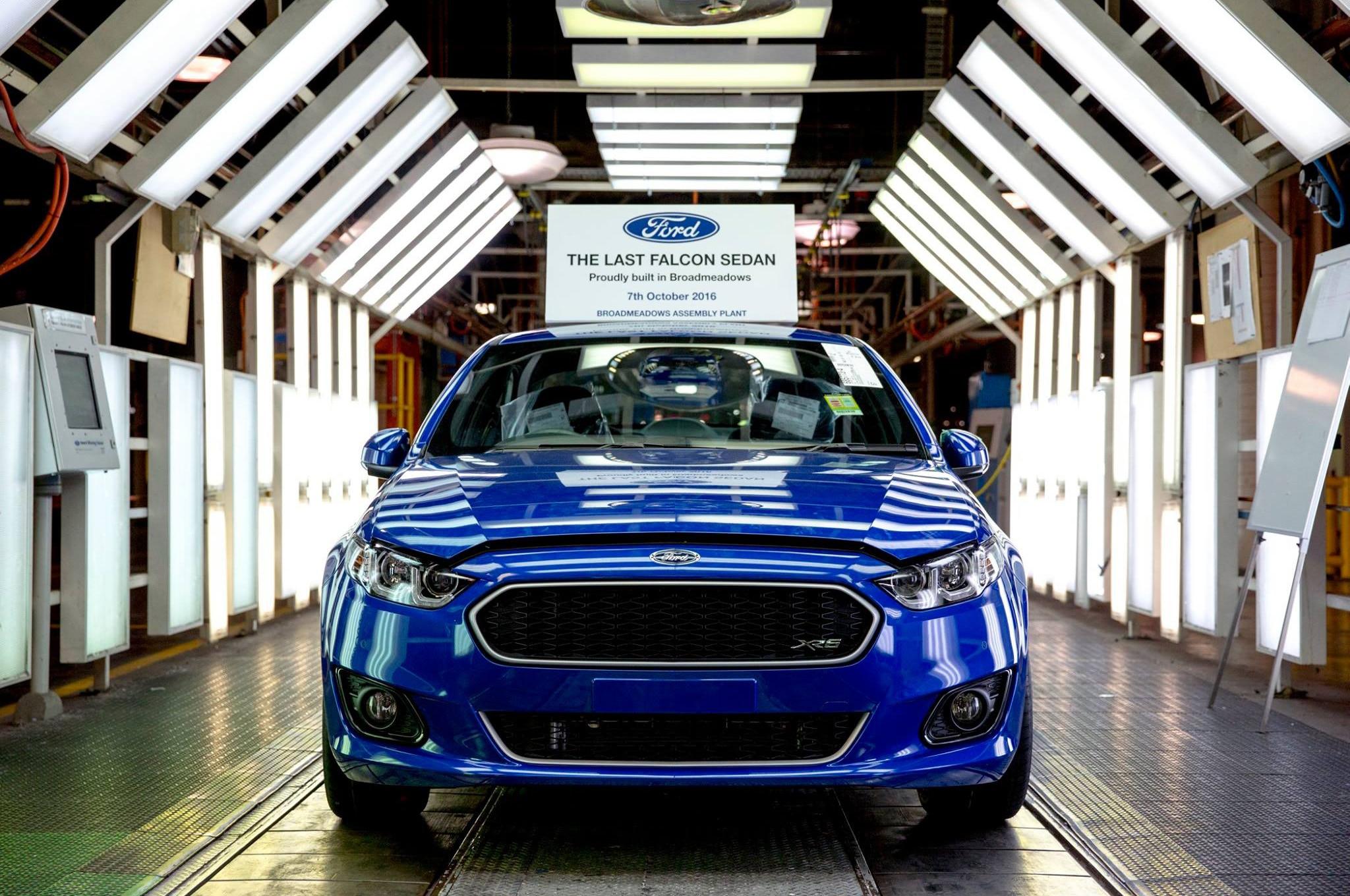 1|13 & Final Ford Falcon Territory Roll Off Production Line in Australia ... markmcfarlin.com