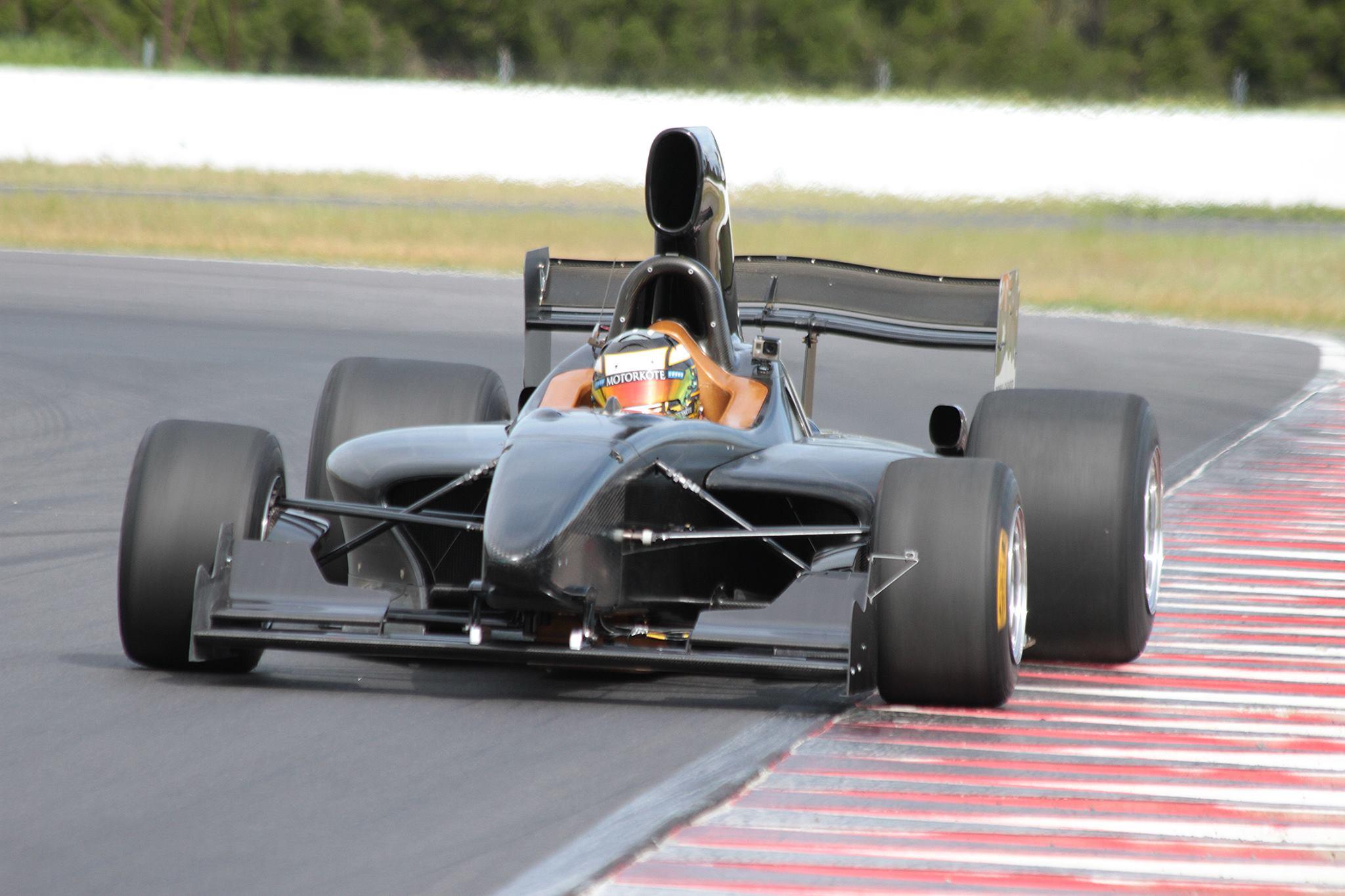 Formula Thunder 5000 Front