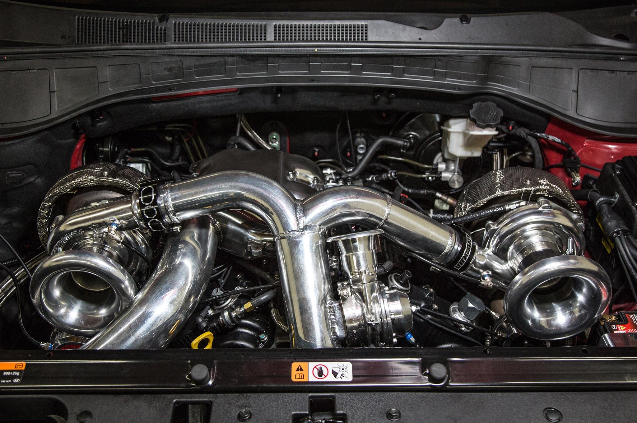 Hyundai Santa Fast concept engine bay