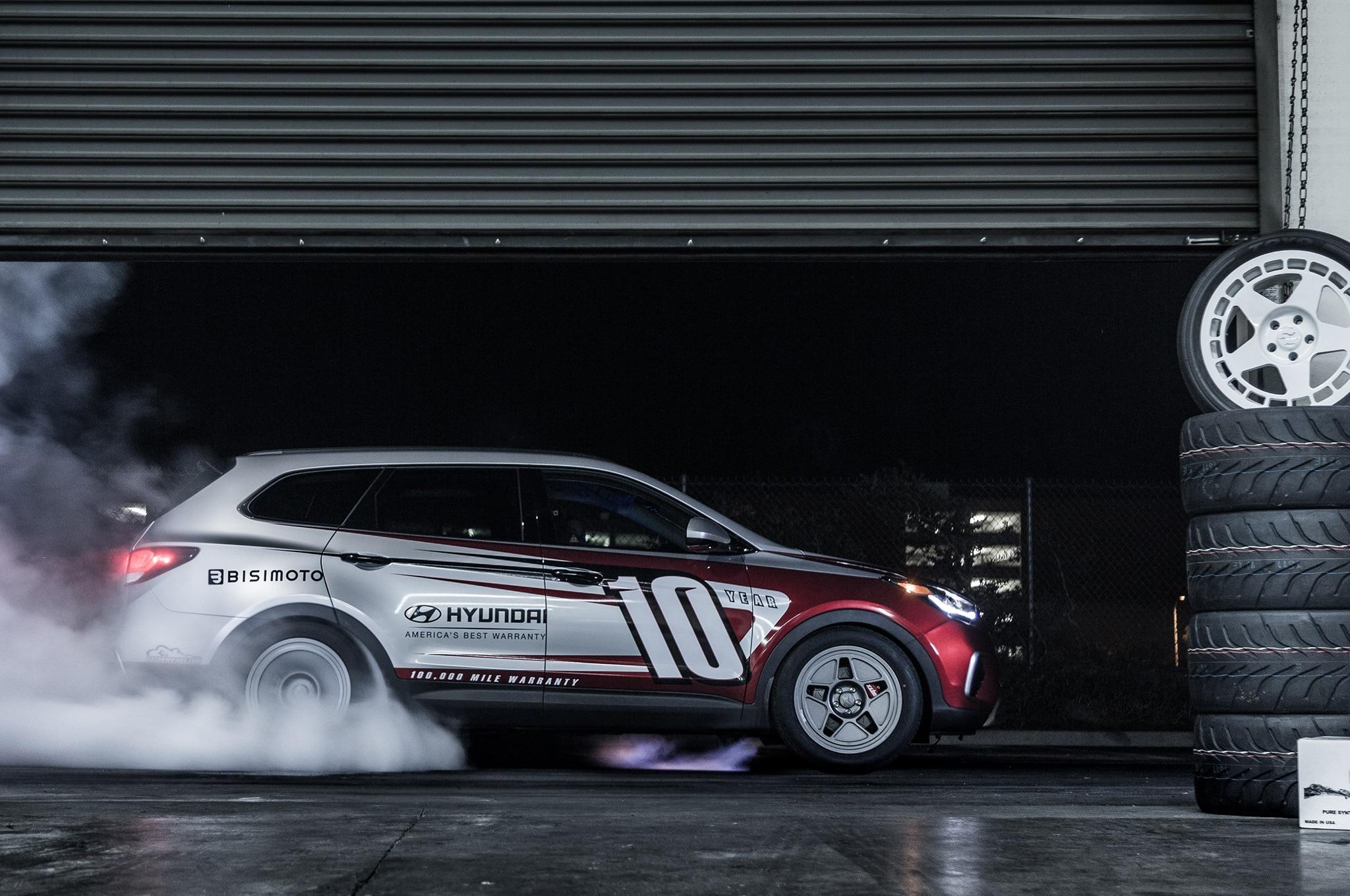 Hyundai Santa Fast concept side