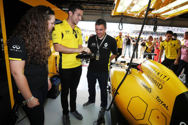 Infiniti partnership with Renault Sport Formula 1 Team 09