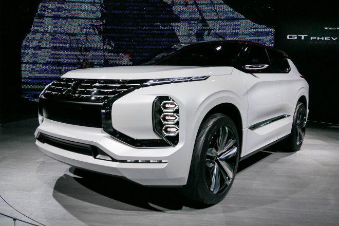 Mitsubishi GT PHEV Concept 03