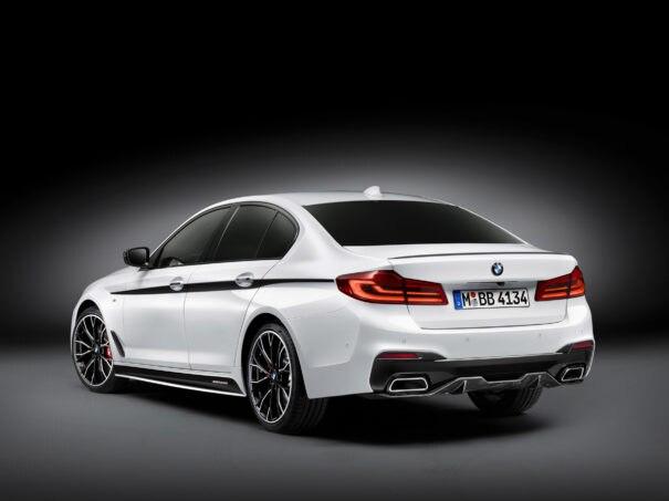2017 BMW 5 Series Sedan three quarter rear