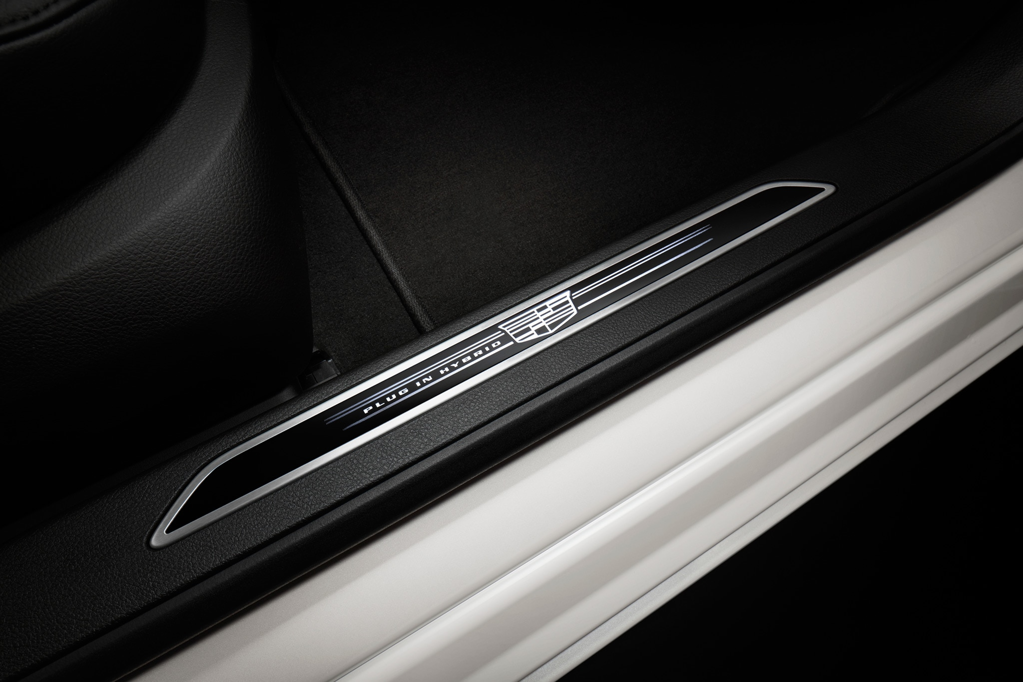2017 Cadillac CT6 Plug In Hybrid Door Sill