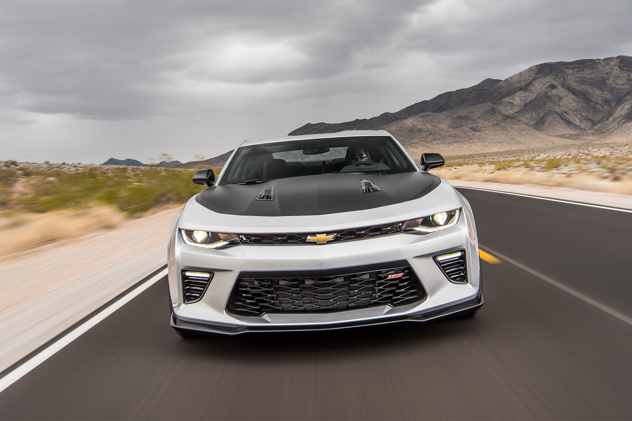 2017 chevrolet camaro ss 1le first drive review automobile magazine. Black Bedroom Furniture Sets. Home Design Ideas