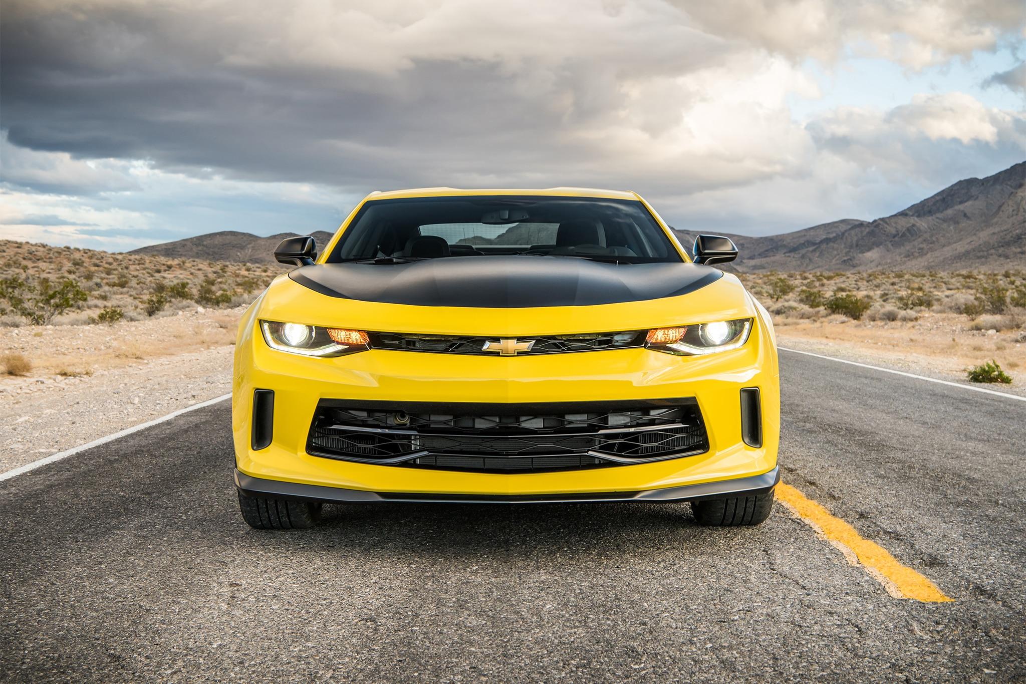 2017 chevrolet camaro v 6 1le front view 01 - Chevrolet Performance Camaro V 6 And V 8 Concepts