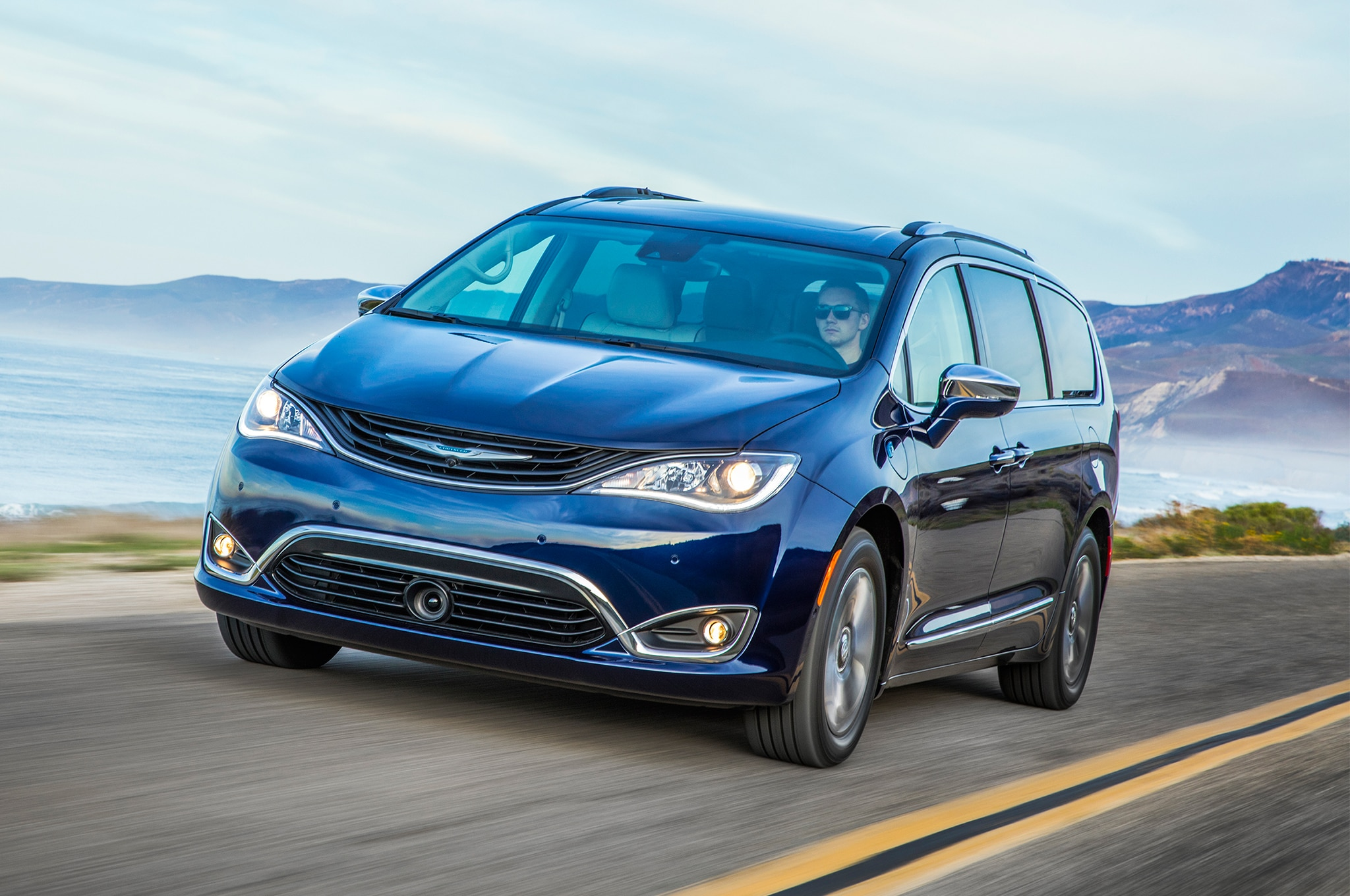 Brilliant 2017 Chrysler Pacifica Hybrid First Drive  Automobile
