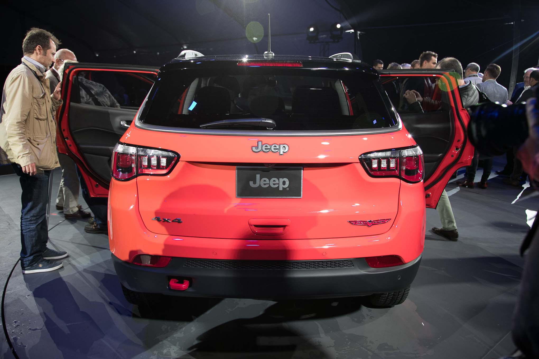 Baby Bronco Jeep Renegade additionally Jeep Grand Cherokee Trailhawk Front End In Motion furthermore Jeep Renegade Trailhawk Front End together with Jeep Renegade Rear Side furthermore S L. on jeep renegade trailhawk front end