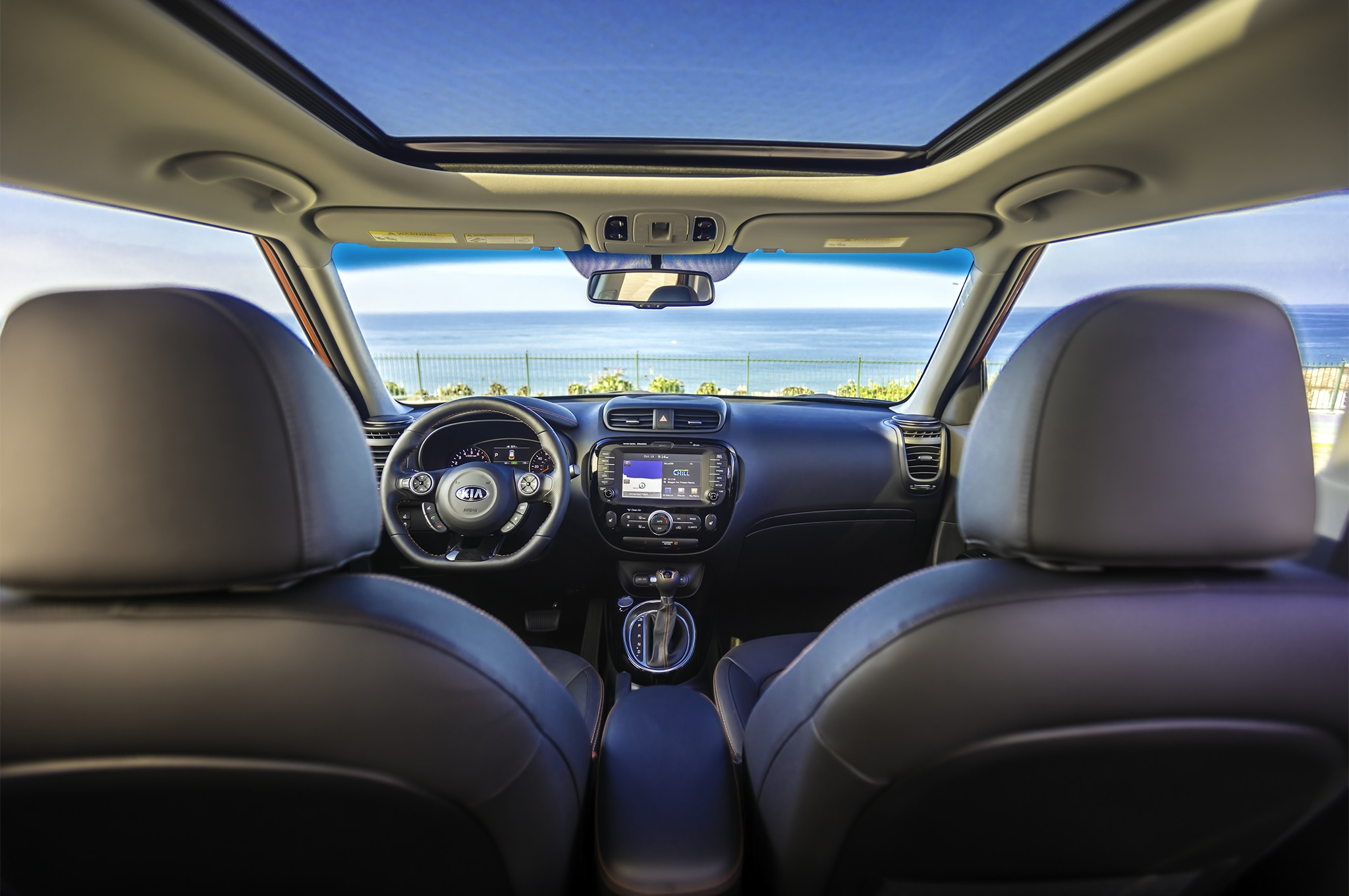 2017 Kia Soul Turbo front interior