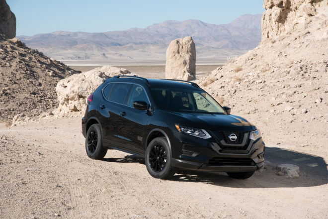 2017 Nissan Rogue Rogue One Star Wars limited edition front three quarter 03 1