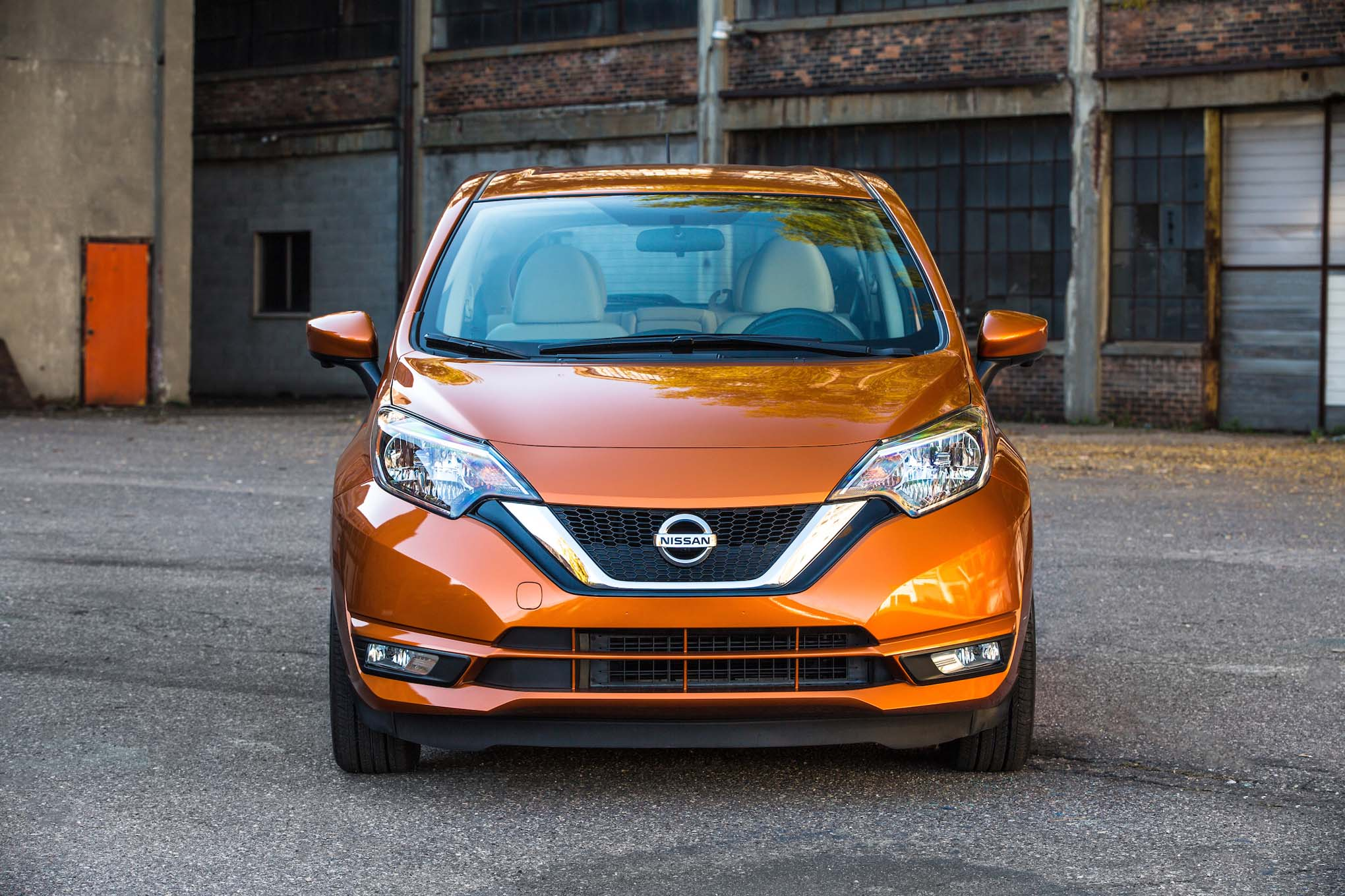 refreshed 2017 nissan versa note revealed ahead of l a show debut automobile magazine. Black Bedroom Furniture Sets. Home Design Ideas
